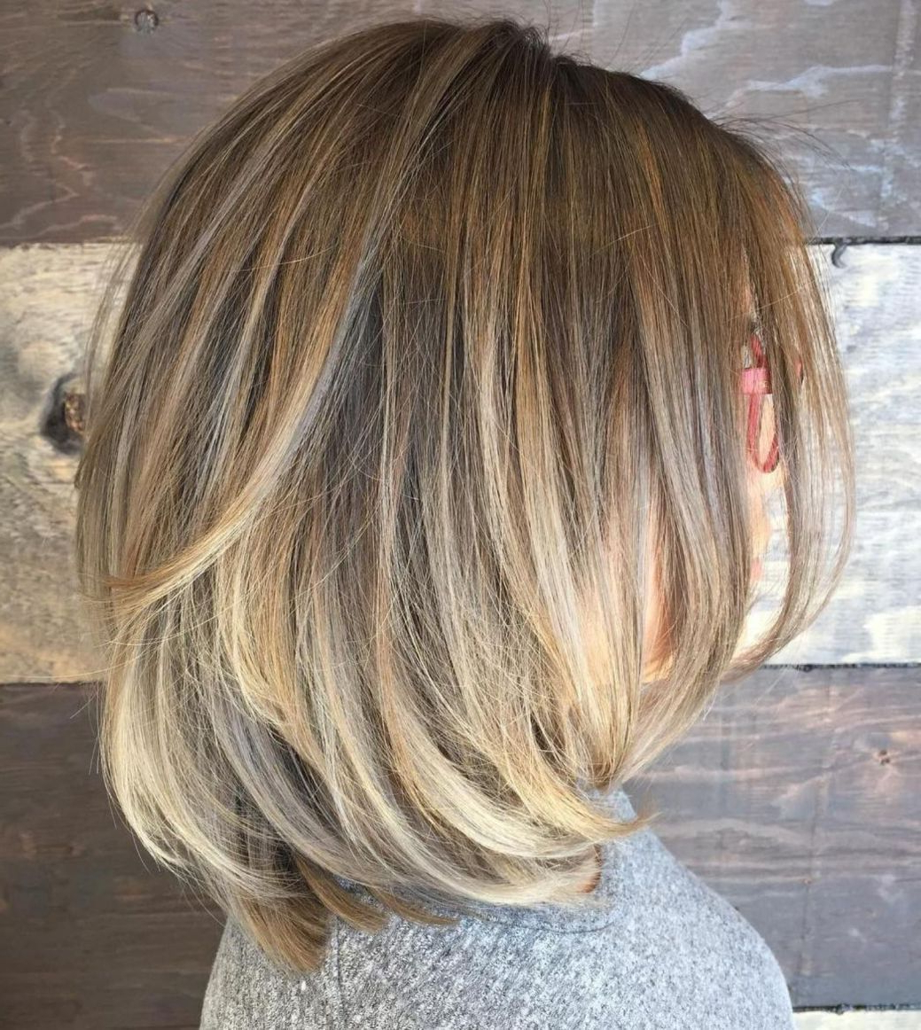 70 Brightest Medium Layered Haircuts To Light You Up In 2019 Within Trendy Thick Feathered Blonde Lob Hairstyles (View 8 of 20)