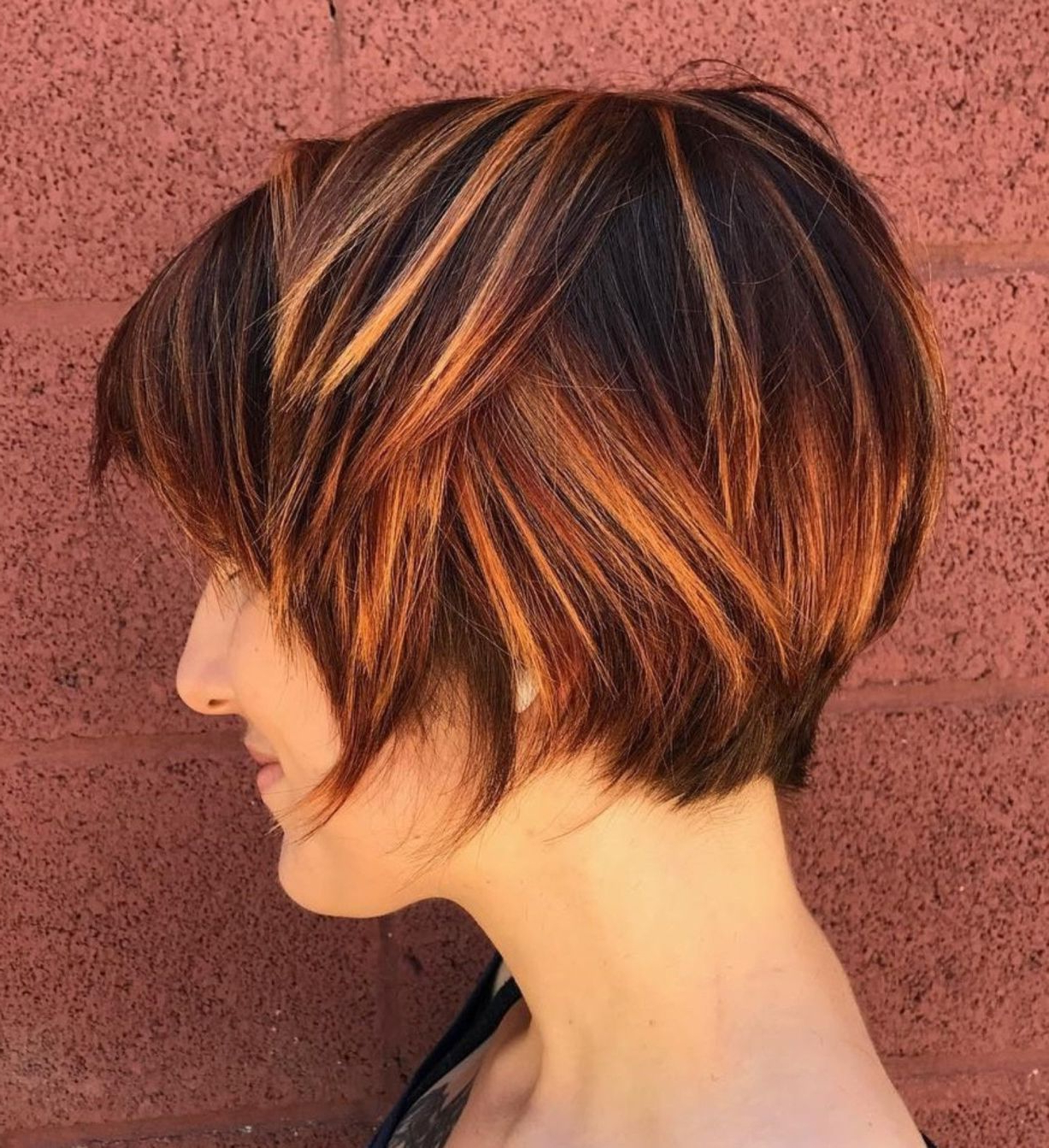 70 Cute And Easy To Style Short Layered Hairstyles In 2019 For Short Bob Hairstyles With Highlights (View 8 of 20)