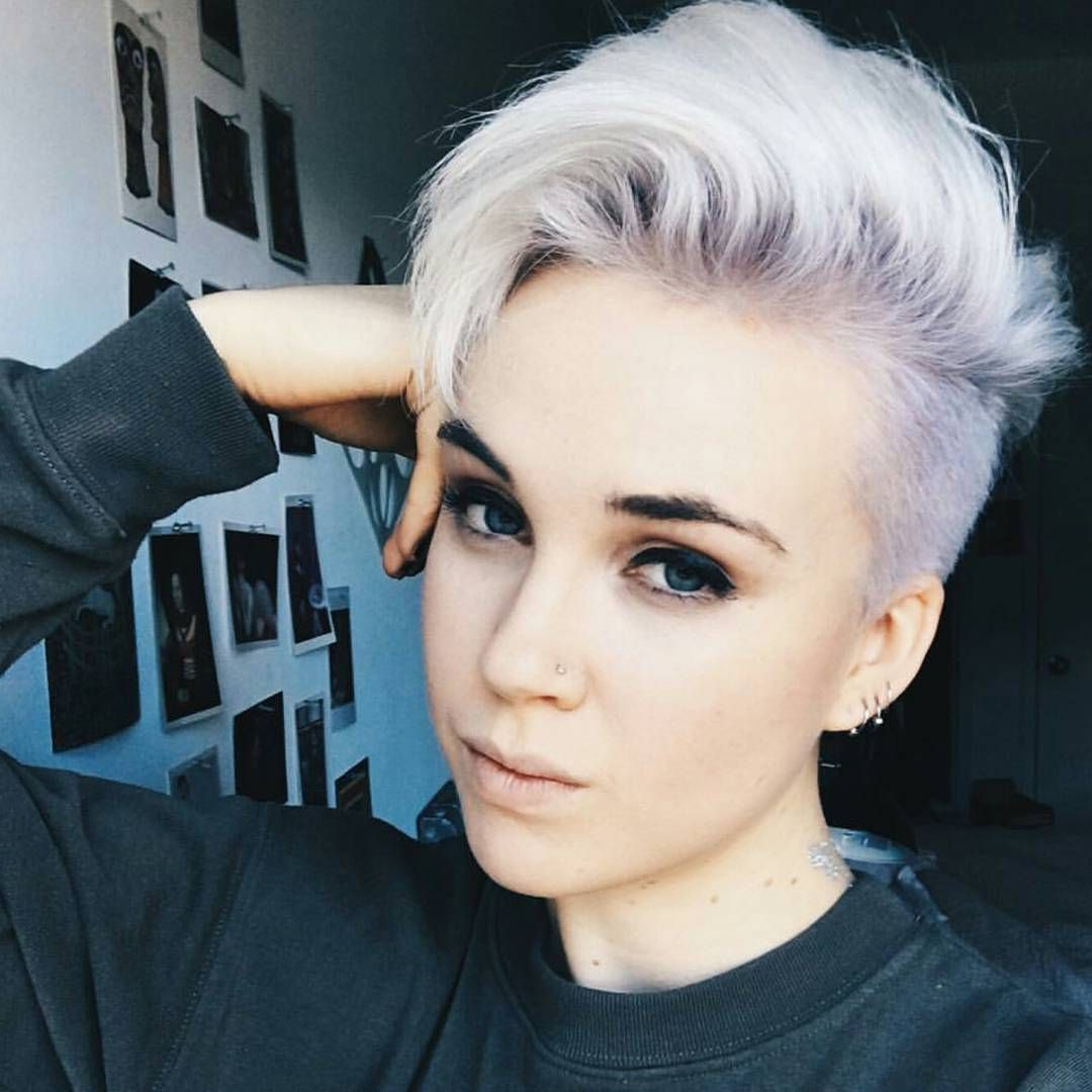 Awesome 45 Unique Short Hairstyles For Round Faces – Get Inside Cropped Haircuts For A Round Face (View 15 of 20)