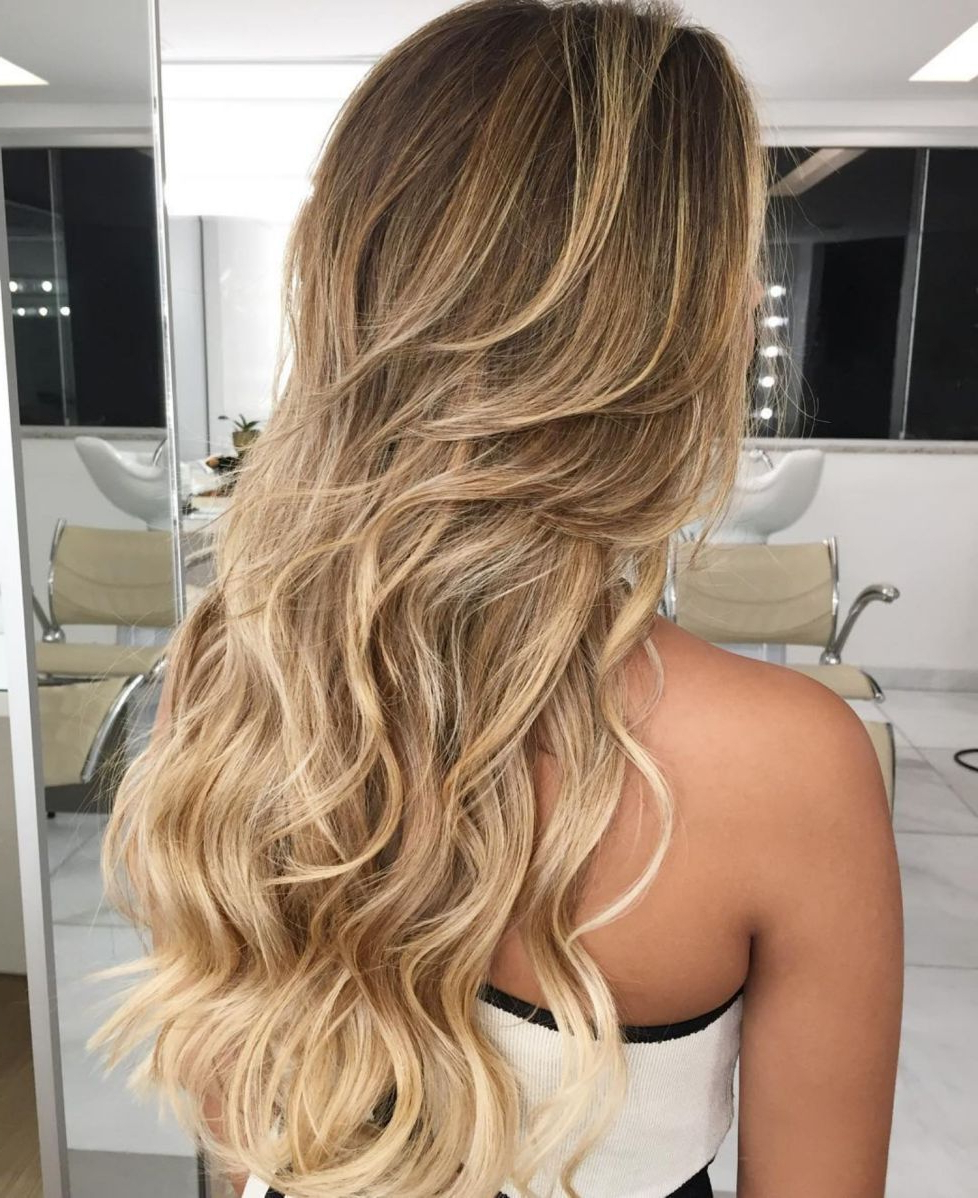 Featured Photo of Long Wavy Layers Hairstyles