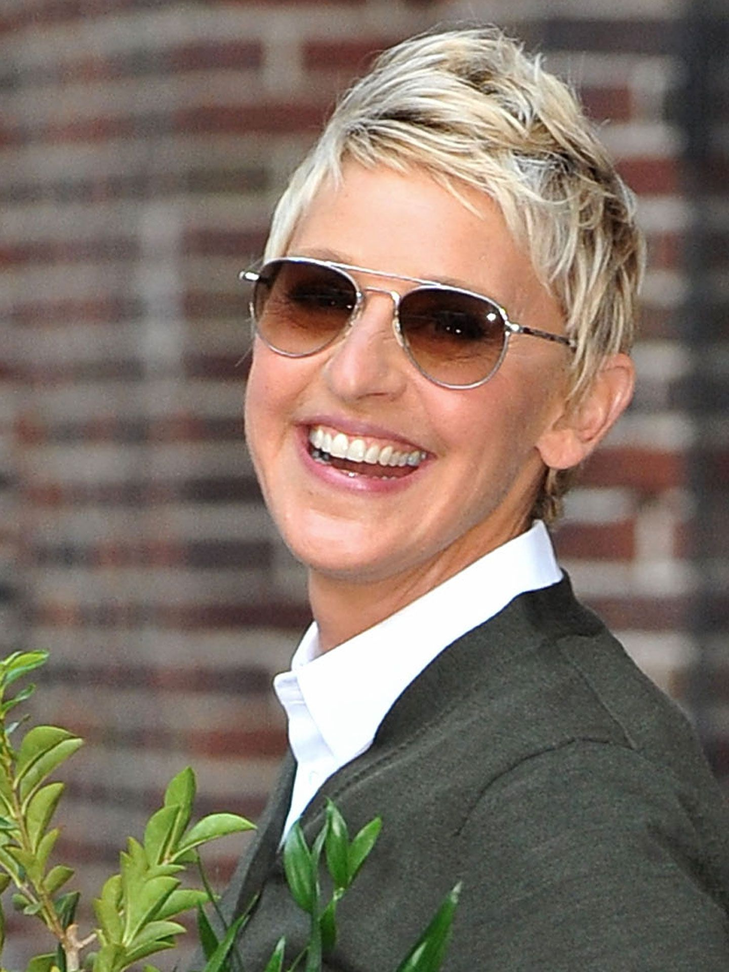 Best Short Haircuts Of All Time – Celebrity Short Hair Styles Regarding V Cut Outgrown Pixie Haircuts (View 15 of 20)