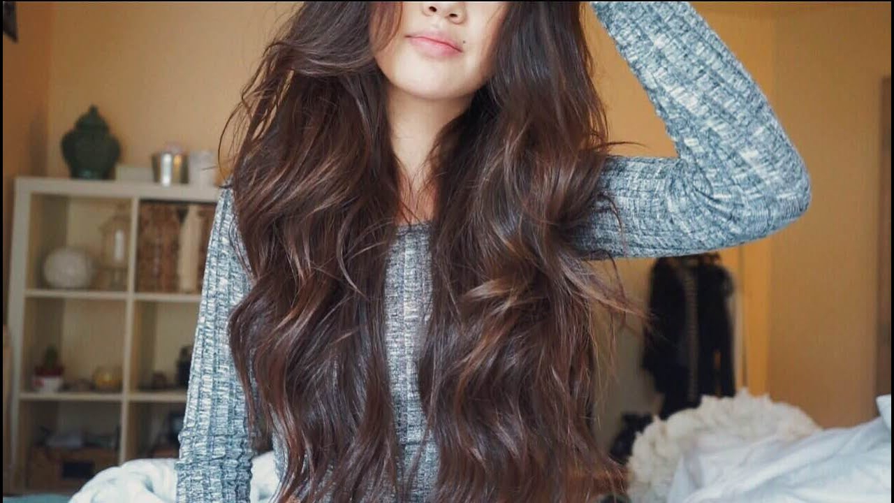 Current Loose Shaggy Curls Hairstyles Throughout 6 Easy Beach Waves Tutorials – How To Get Beachy Waves In (View 20 of 20)