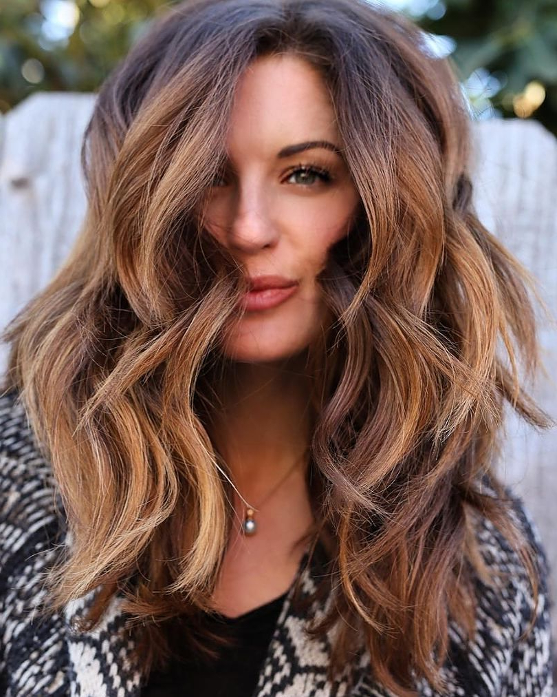 Current Voluminous Long Caramel Hairstyles With Regard To 60 Looks With Caramel Highlights On Brown And Dark Brown (View 8 of 20)