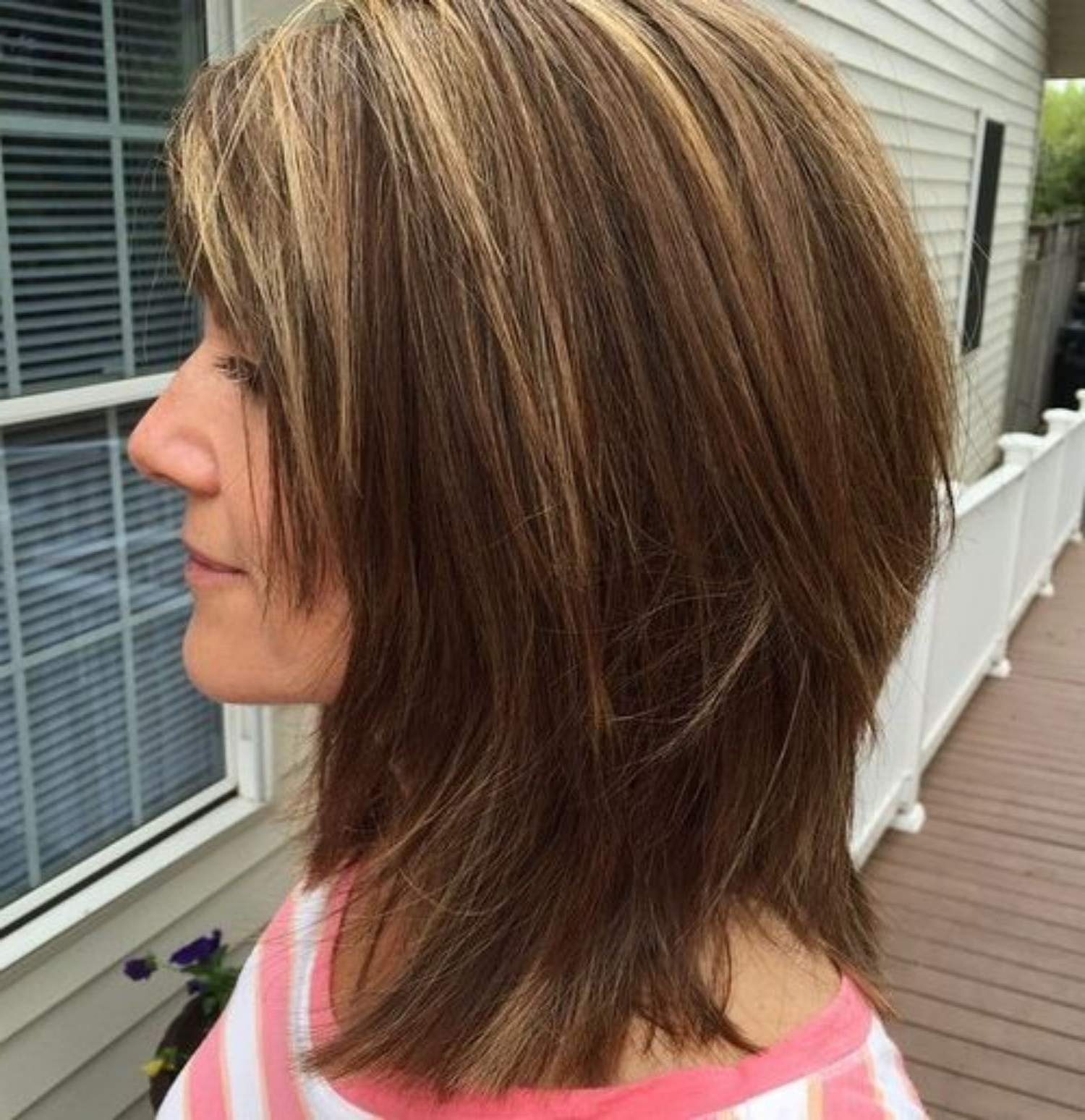 Fashionable Chopped Medium Haircuts For Straight Hair Throughout Pin On Hair And Fashion (View 4 of 20)