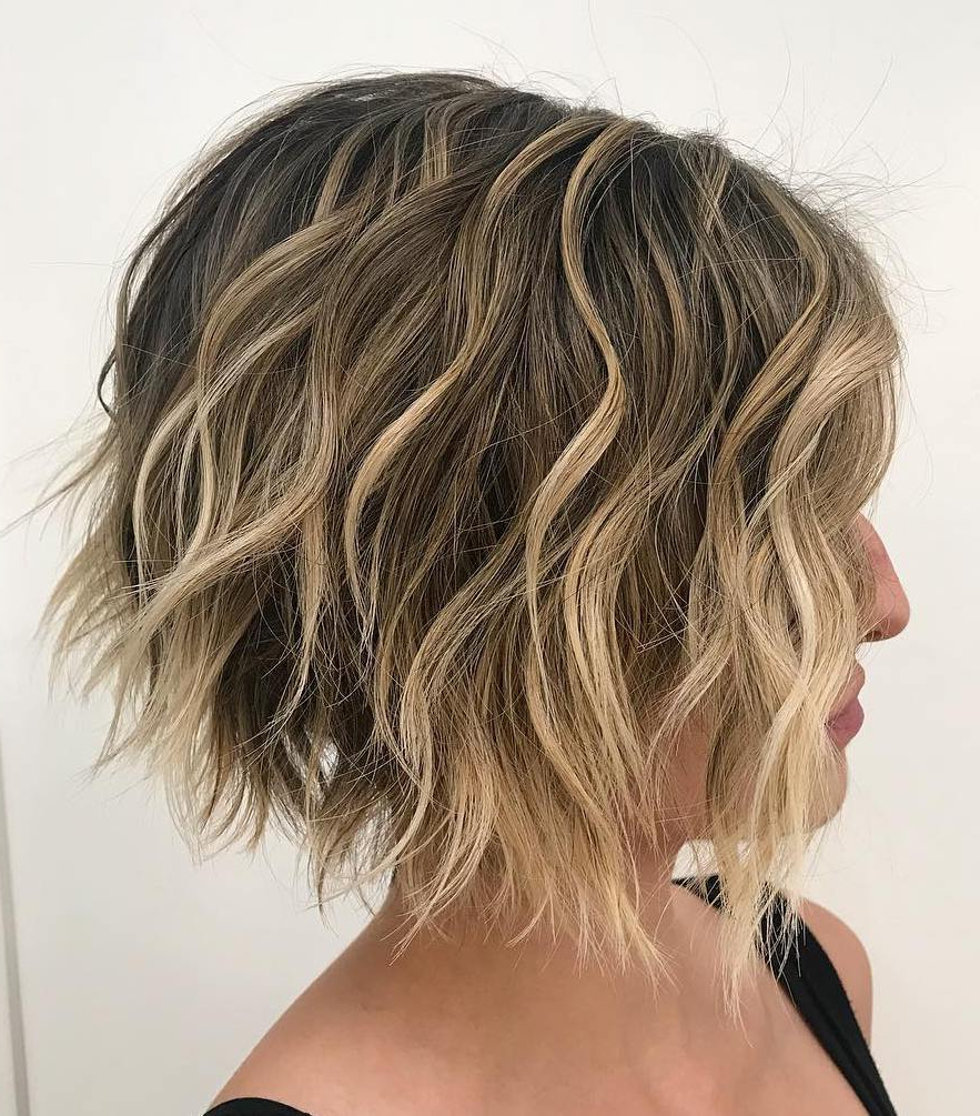 Featured Photo of Curly Messy Bob Hairstyles With Side Bangs