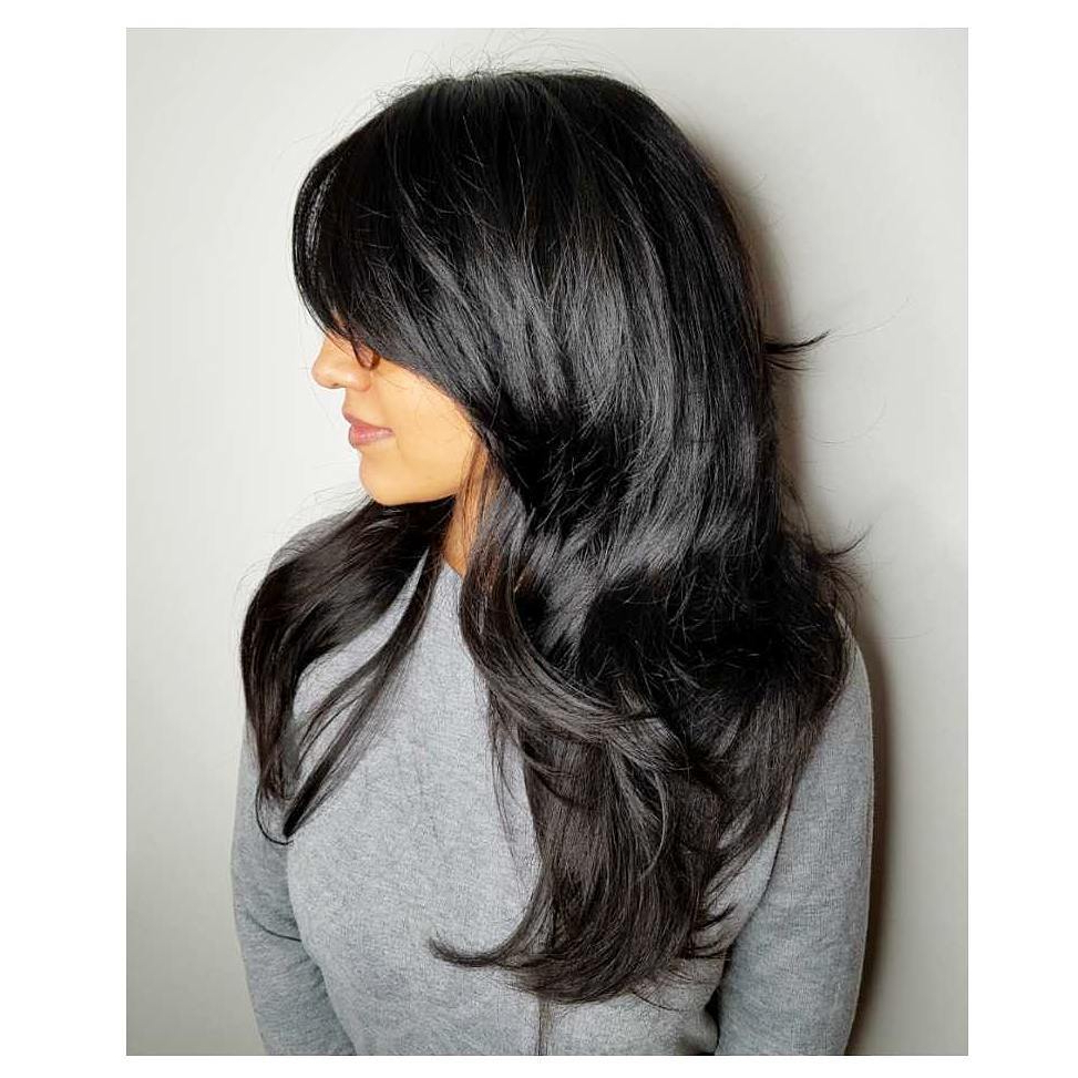 Hair Styles Within Famous Gray Razored Shag Haircuts With Black Roots (Gallery 19 of 20)