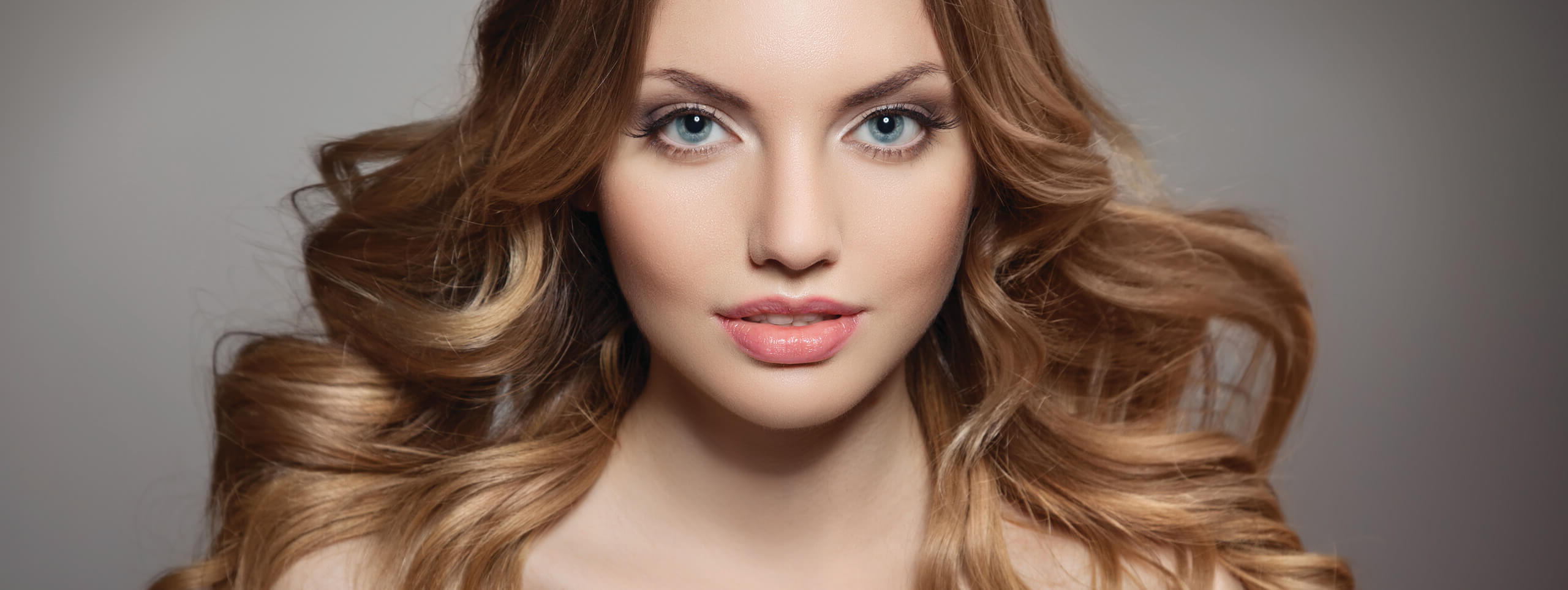 Honey Brown Hair: Must Try Hair Color Trend Within Well Known Honey Bronde Shaggy Hairstyles With Bangs (View 17 of 20)