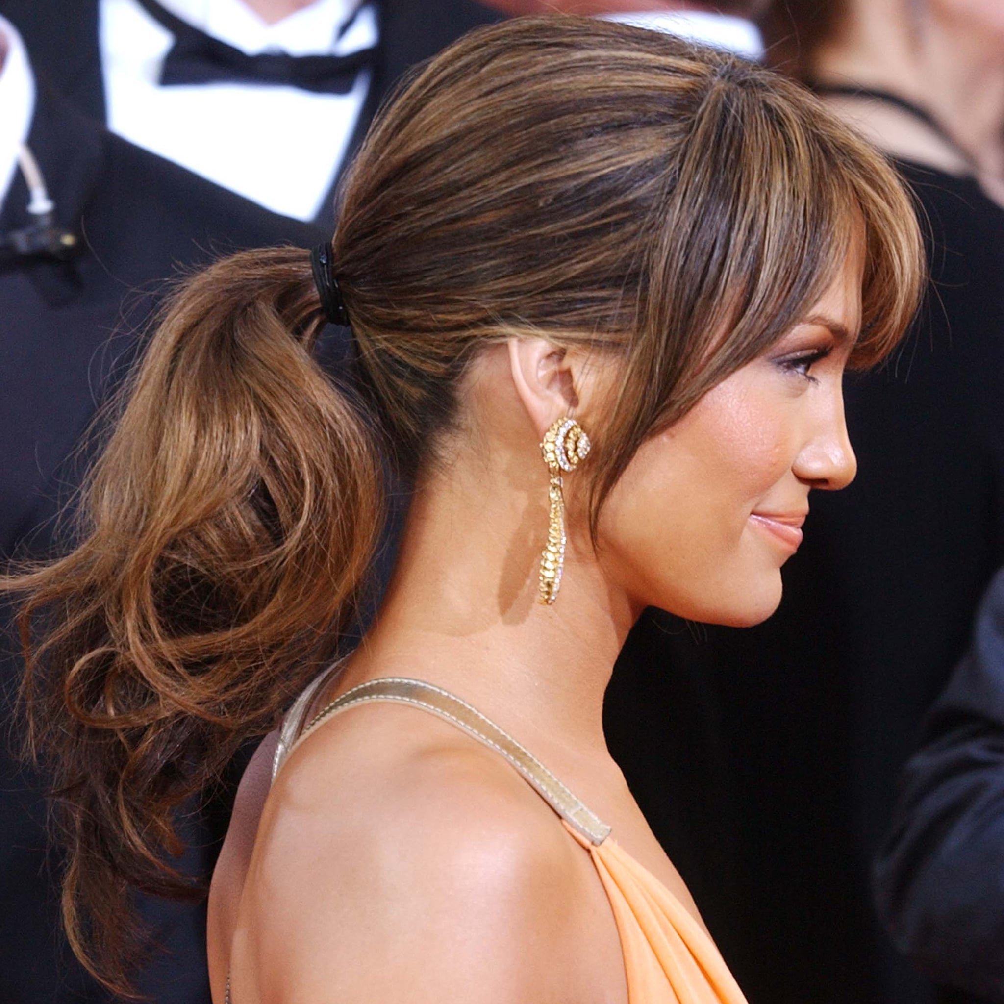 Jennifer Lopez Best Hair Color Highlights   Popsugar Beauty Pertaining To Long Curly Pixie Haircuts With Subtle Highlights (Gallery 20 of 20)