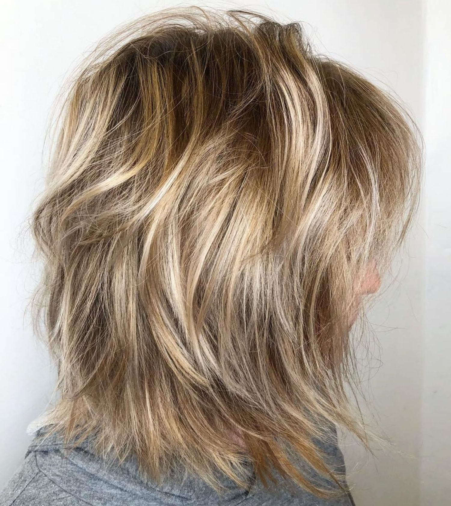 Latest Honey Bronde Shaggy Hairstyles With Bangs Inside Pin On Looks (View 2 of 20)