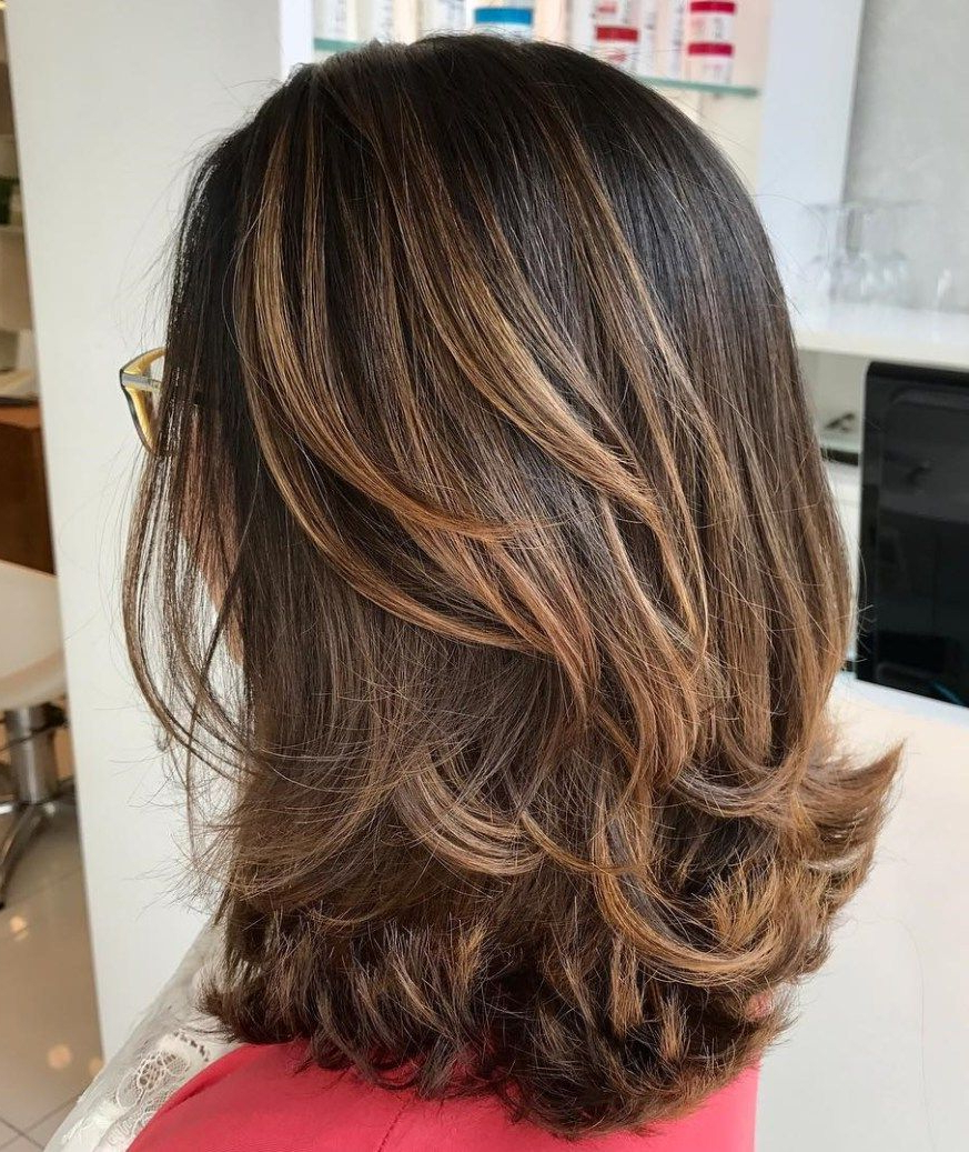 Latest Medium To Long Feathered Haircuts Within Pin On Frizura (View 4 of 20)