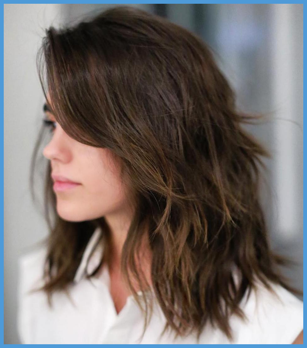 Medium Choppy Hairstyles 489343 21 Textured Choppy Bob In Shoulder Length Choppy Hairstyles (View 13 of 20)