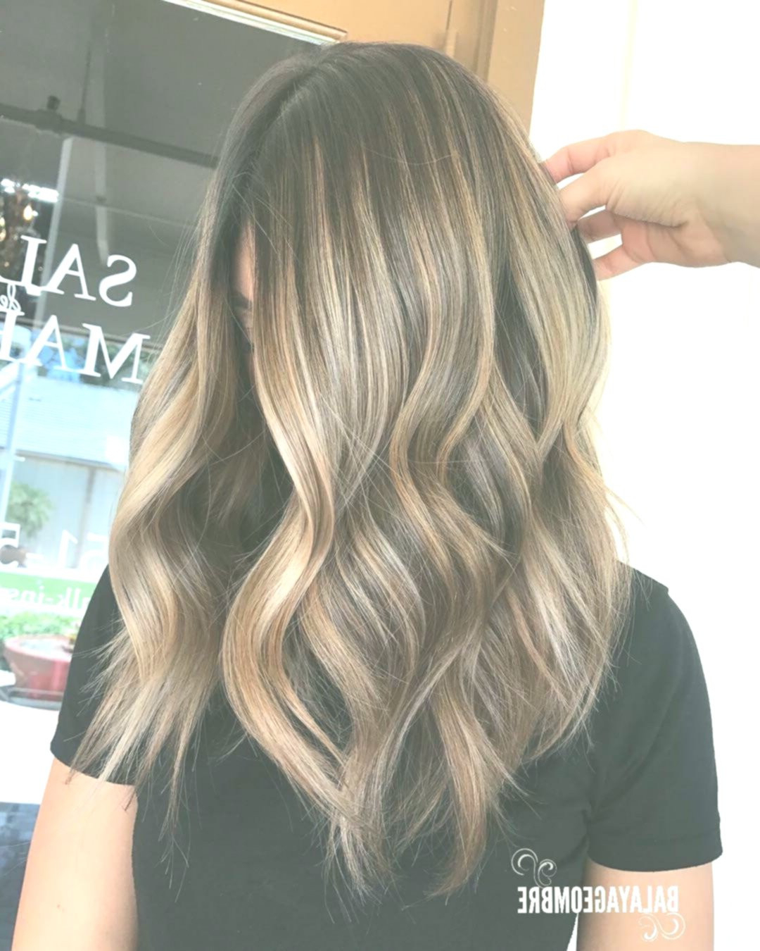 Medium Length Layered Hairstyles For Thick Hair 2019 10 Throughout 2017 Mid Length Layered Ash Blonde Hairstyles (View 14 of 20)