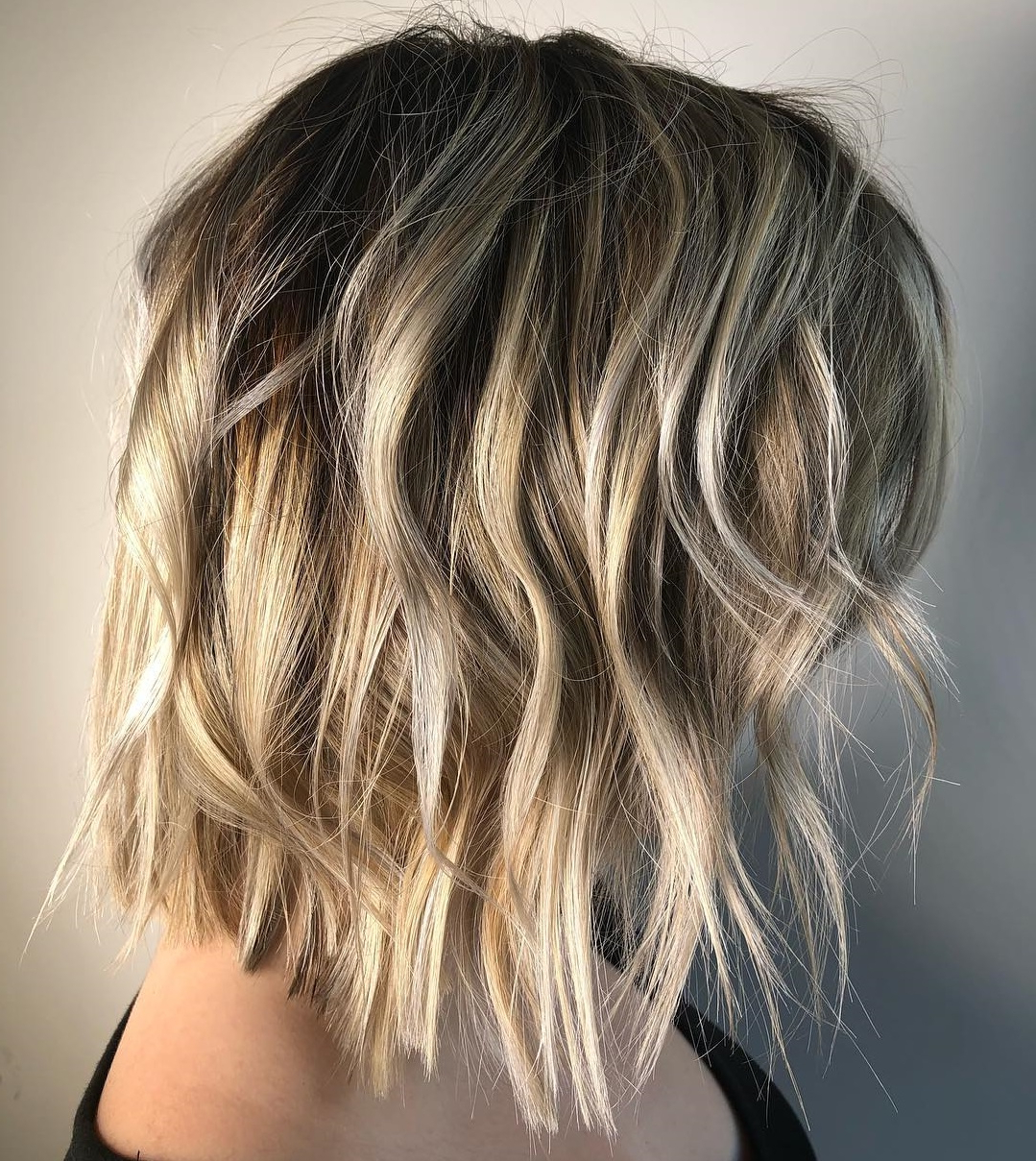 Must Try Medium Length Layered Haircuts For 2019 Intended For 2017 One Length Haircuts With Feathered Layers (View 16 of 20)
