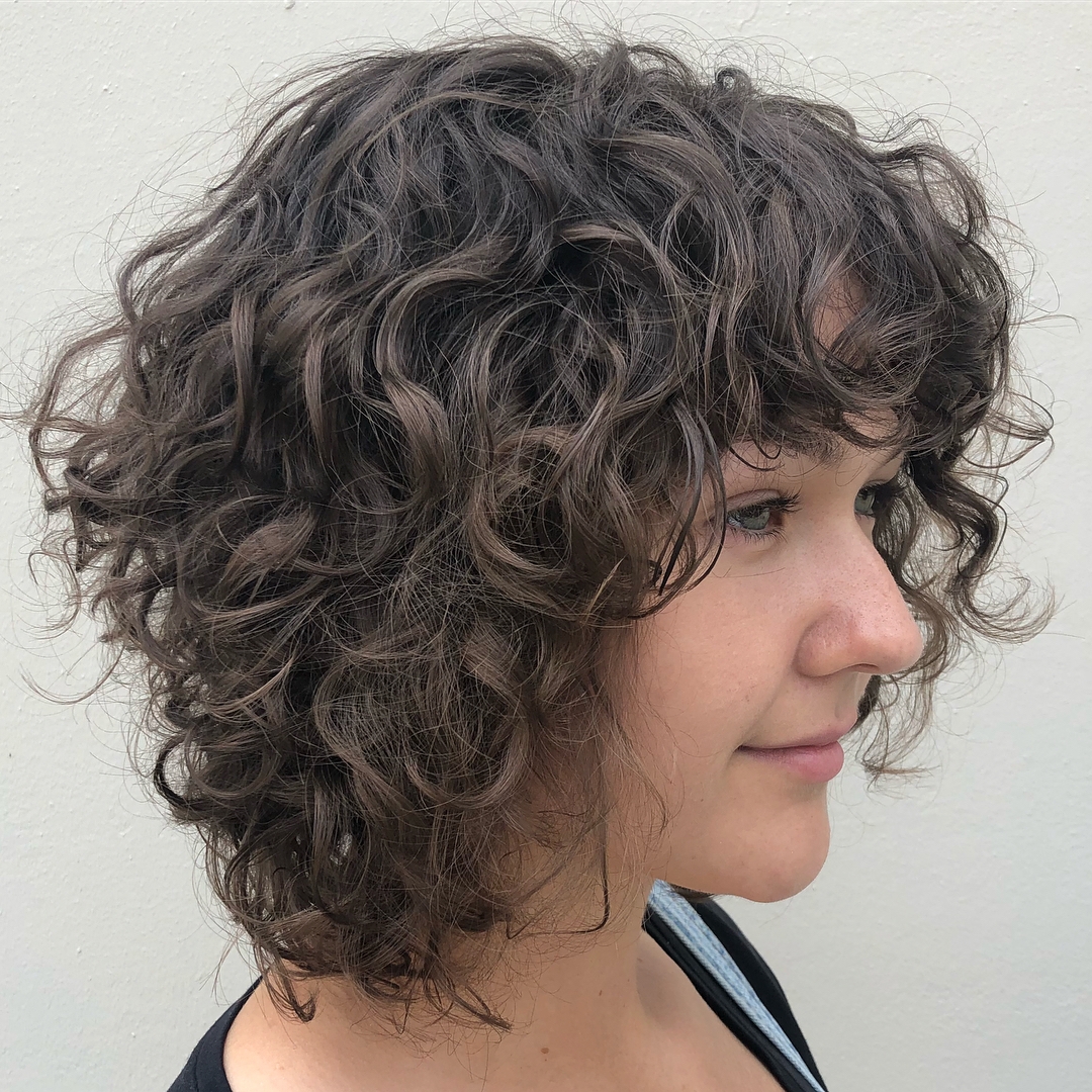 Must Try Medium Length Layered Haircuts For 2019 Throughout Preferred Medium Tousled Haircuts With Bangs (View 14 of 20)