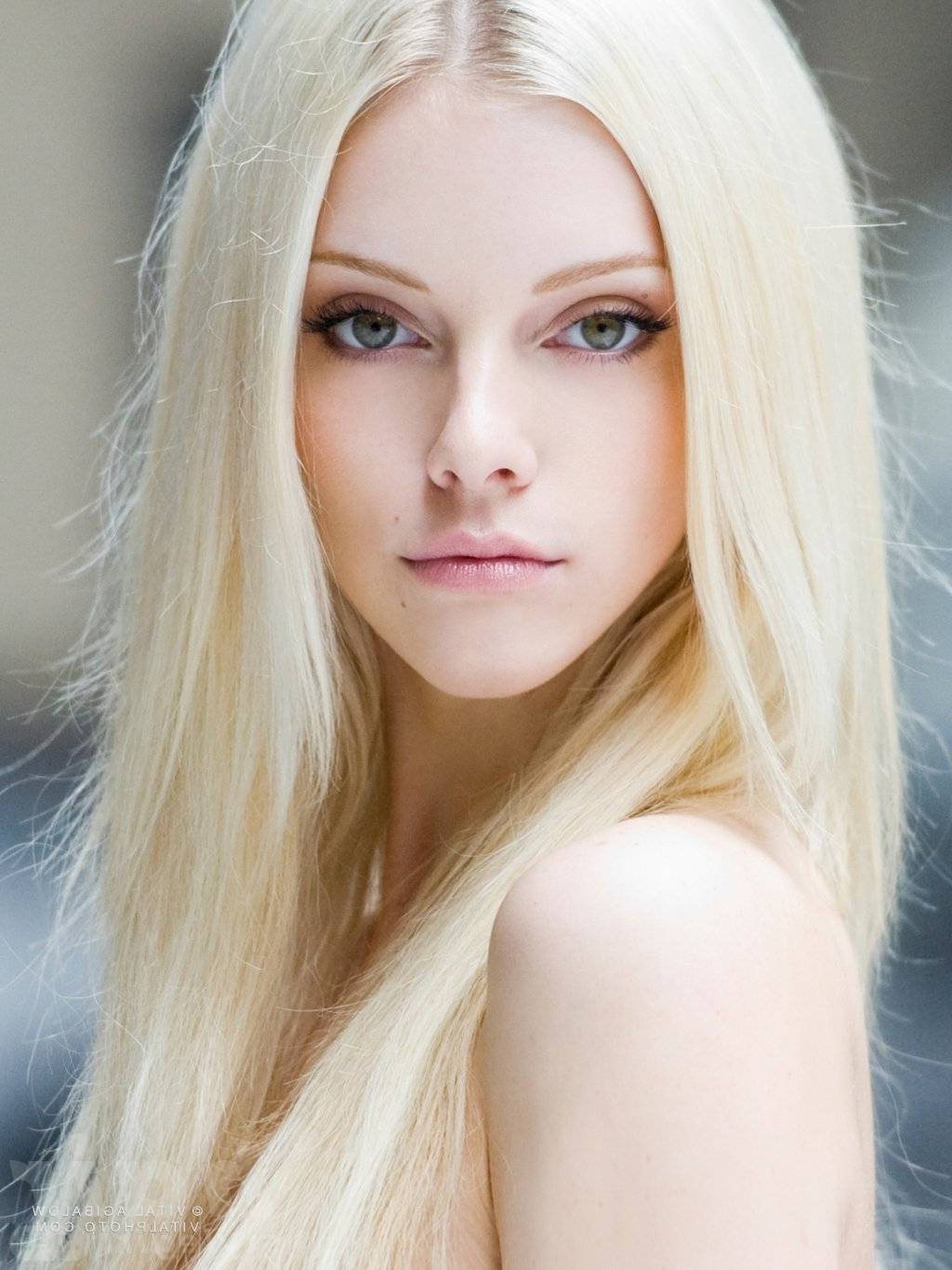 Newest Edgy Platinum Feathered Shag Haircuts With Regard To Most Hottest Platinum Blonde Hair Shades Ideas (View 13 of 20)