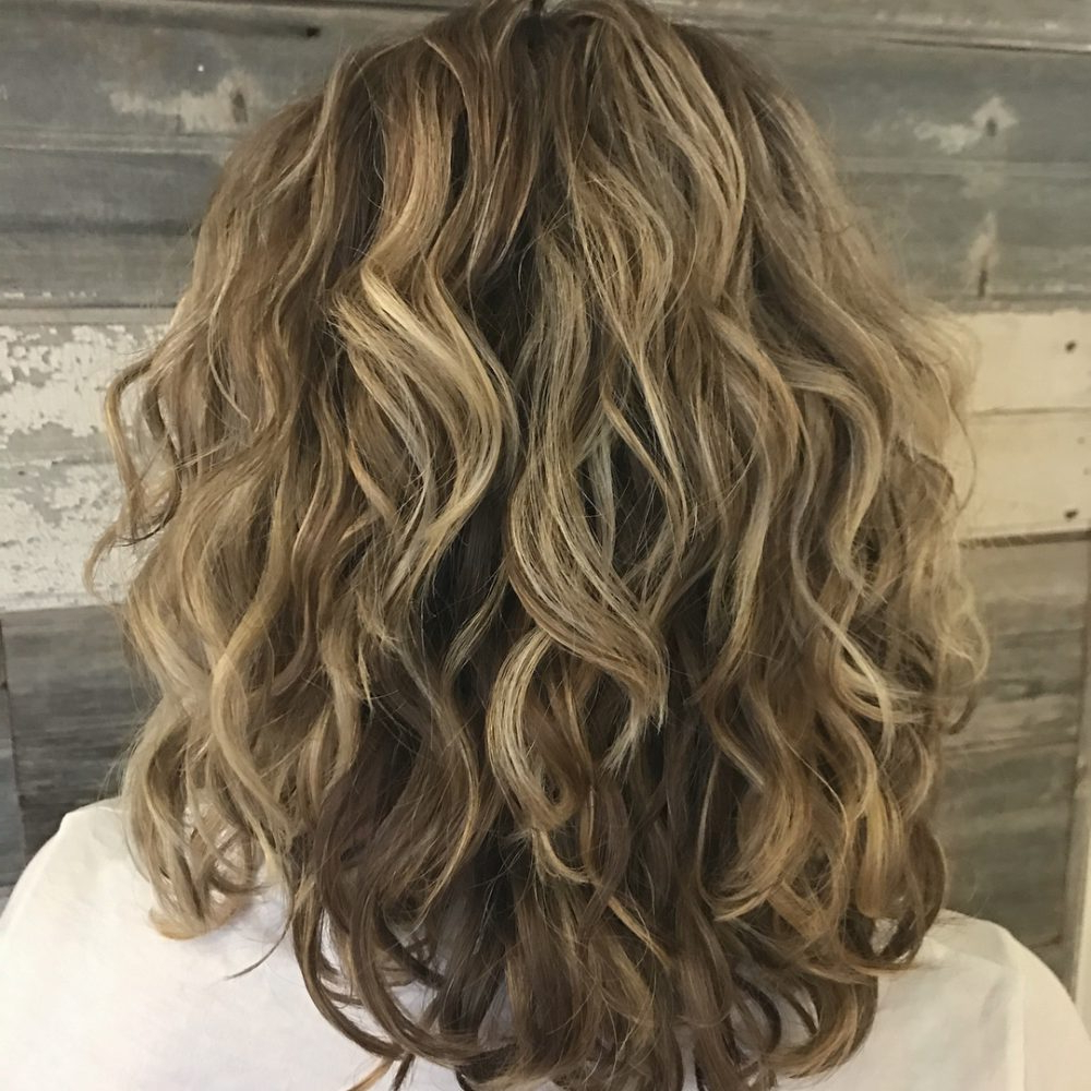 Newest Waterfall Of Curls Shag Long Hairstyles Regarding 24 Best Shoulder Length Curly Hair Ideas (2019 Hairstyles) (View 15 of 20)