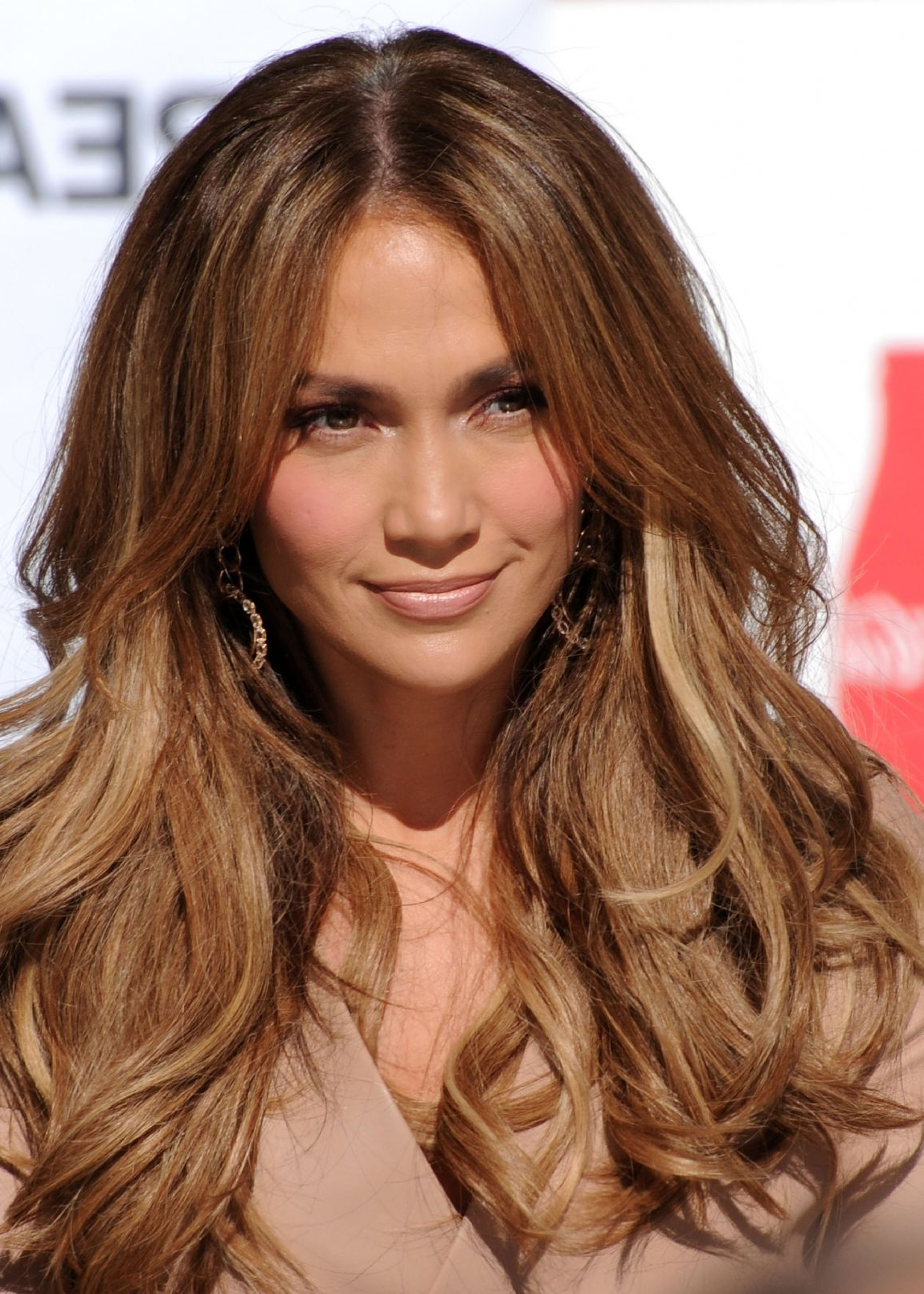Pinterest: Deborahpraha ♥️ Jennifer Lopez Big Voluminous Within Well Known Voluminous Long Caramel Hairstyles (View 15 of 20)