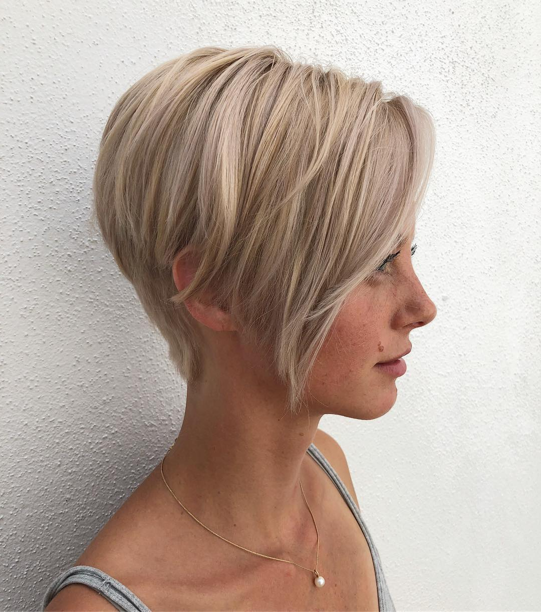 Popular Wispy Layered Blonde Haircuts With Bangs With 50 Head Turning Hairstyles For Thin Hair To Flaunt In (View 13 of 20)