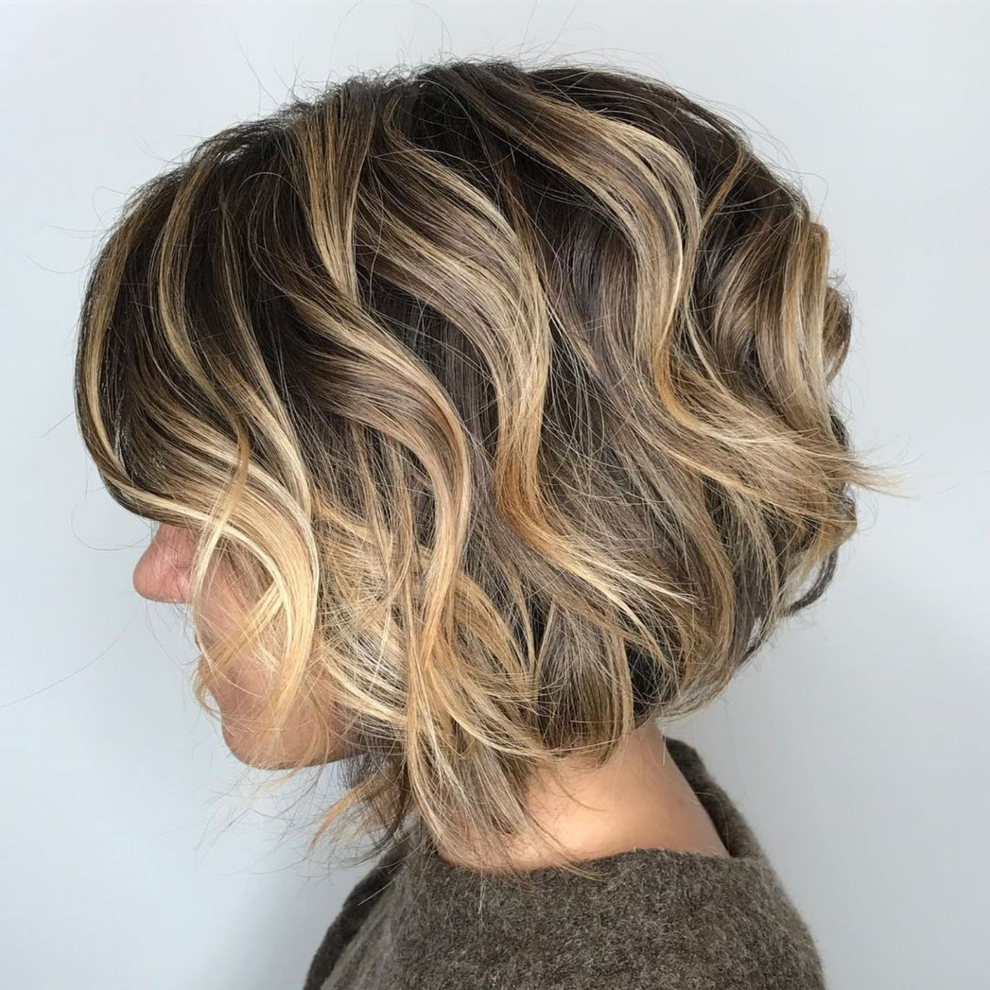 Preferred Curly Bronde Haircuts With Choppy Ends For 60 Layered Bob Styles: Modern Haircuts With Layers For Any (Gallery 3 of 20)
