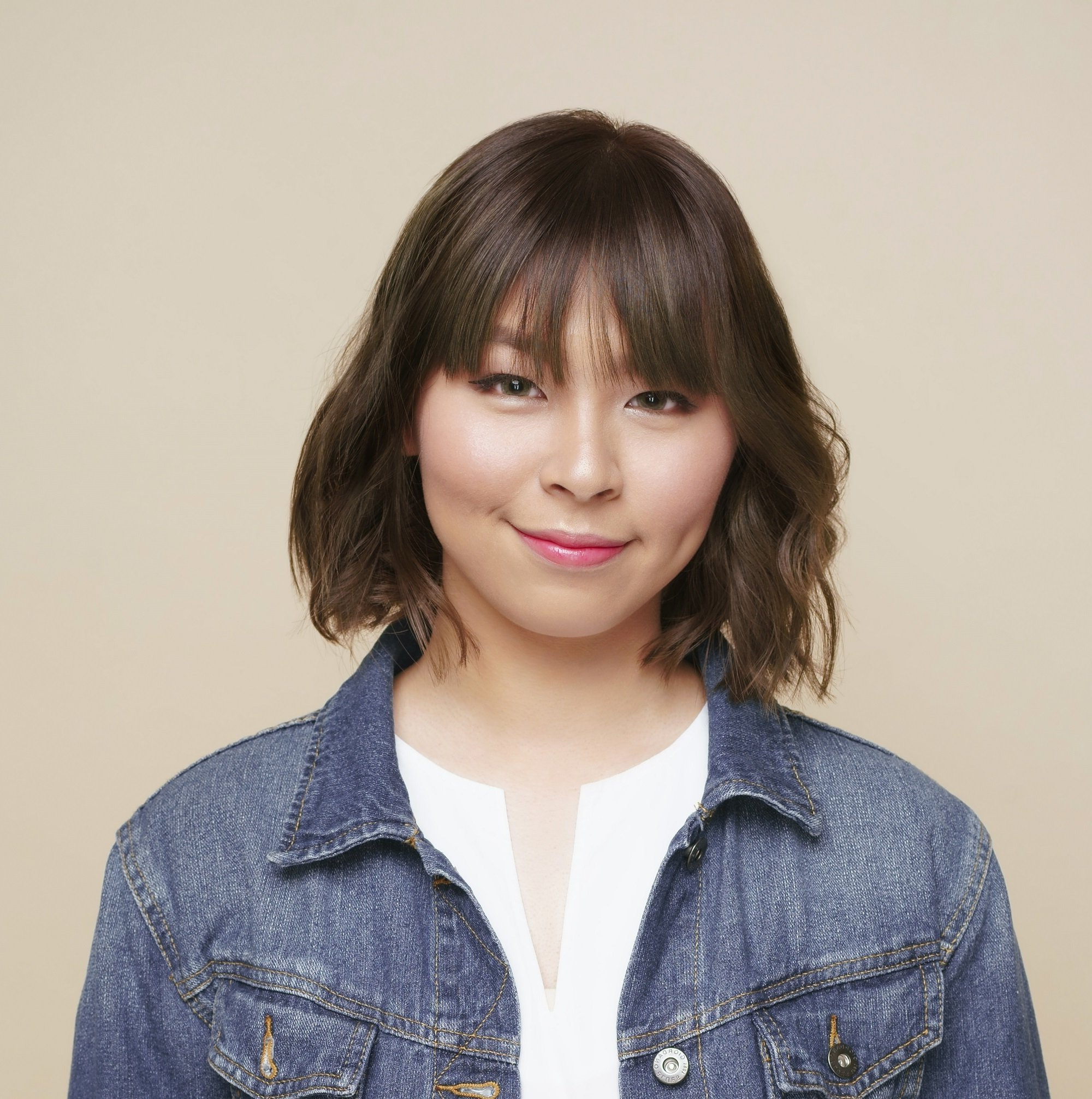 Short Hair For Round Face: Chic Ideas You Need To Try With Layered Short Hairstyles For Round Faces (View 10 of 20)