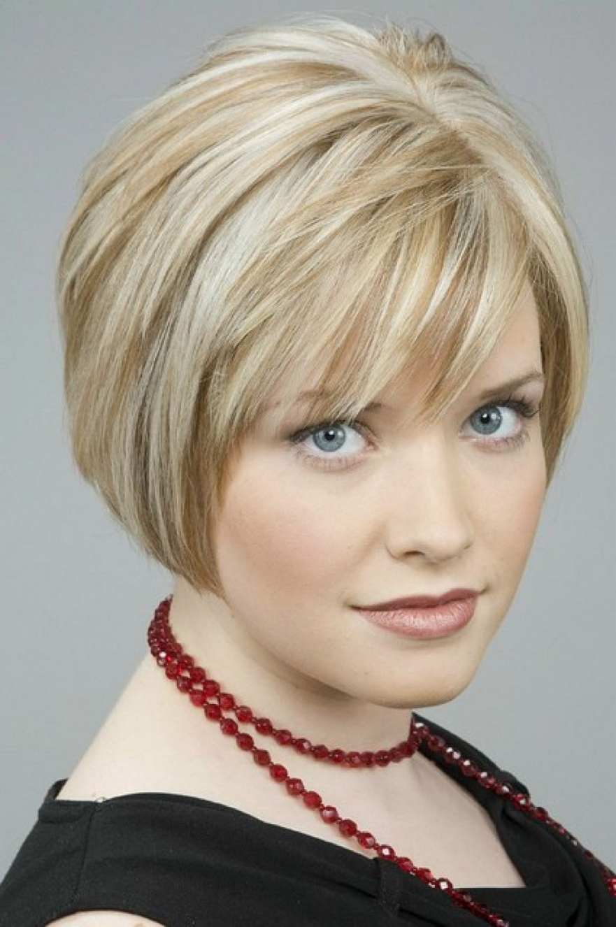 Short Hairstyle : Short Layered Hairstyles For Thick Hair In Short Chopped Bob Hairstyles With Straight Bangs (View 14 of 20)