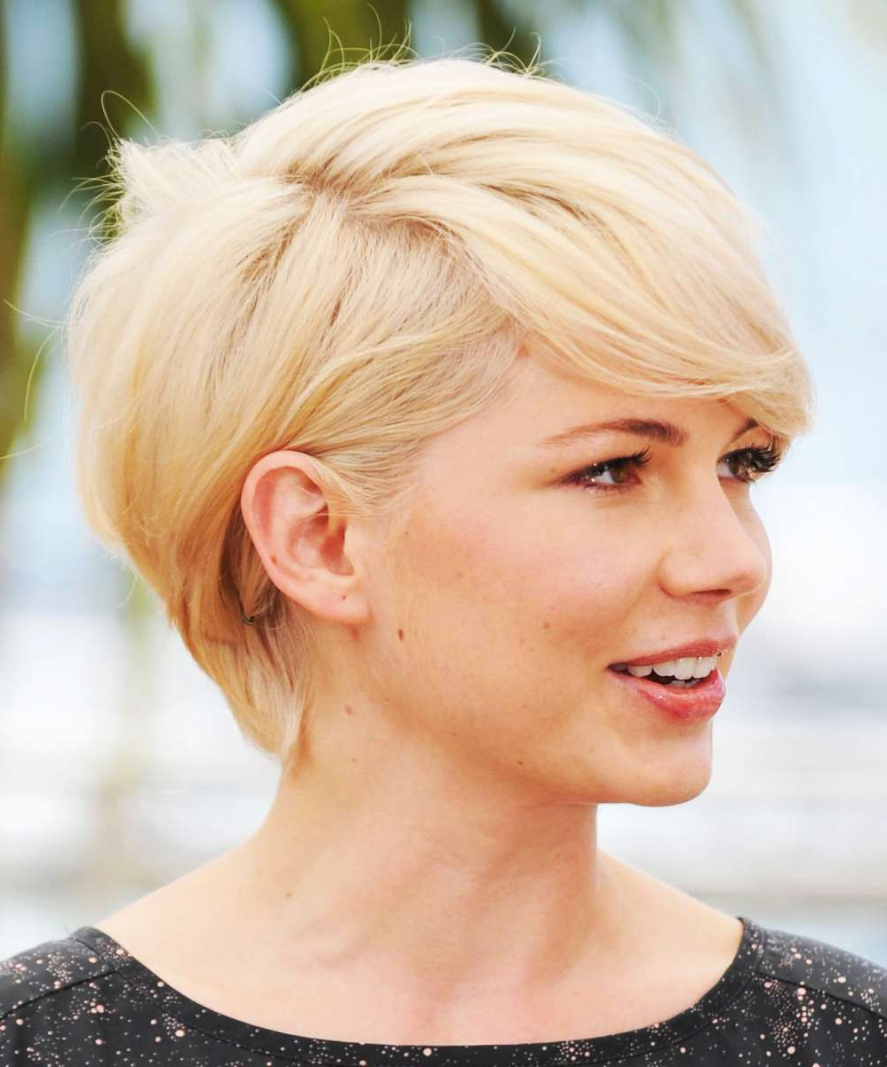 Short Hairstyles For Round Faces — Classic Style : Sexy Regarding Classic Asymmetrical Hairstyles For Round Face Types (View 13 of 20)