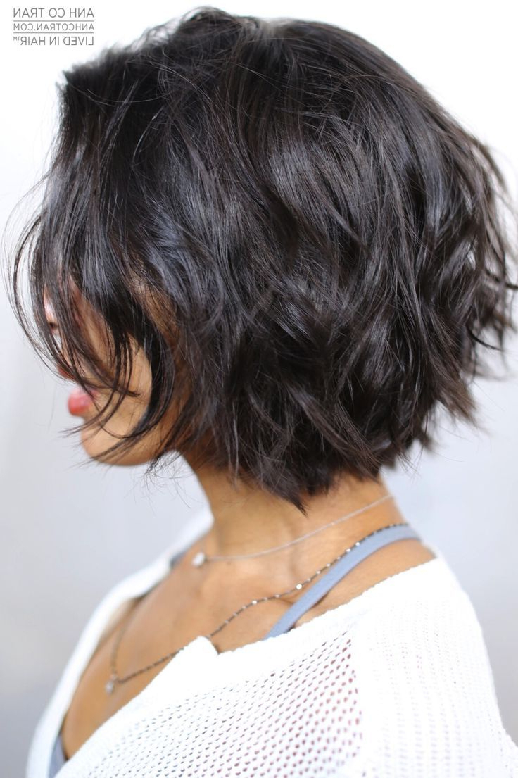 Textured // Bob | Hair | Frisuren, Geschichtete Bob Frisuren Within Textured Curly Bob Haircuts (Gallery 6 of 20)