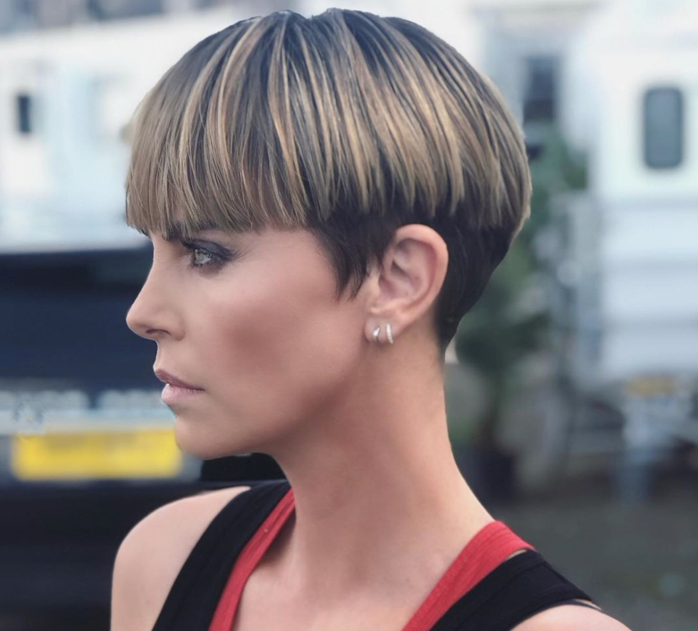 The Modern Bowl Cut Is This Fall's Hottest Look | Chatelaine Within V Cut Outgrown Pixie Haircuts (View 11 of 20)