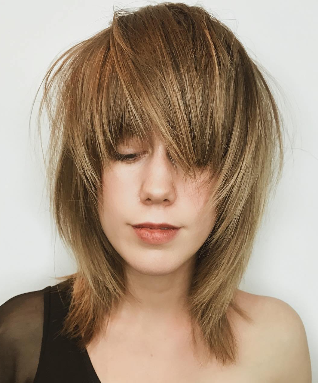 The Most Instagrammable Hairstyles With Bangs In 2019 Regarding Newest Shaggy Chestnut Medium Length Hairstyles (View 17 of 20)