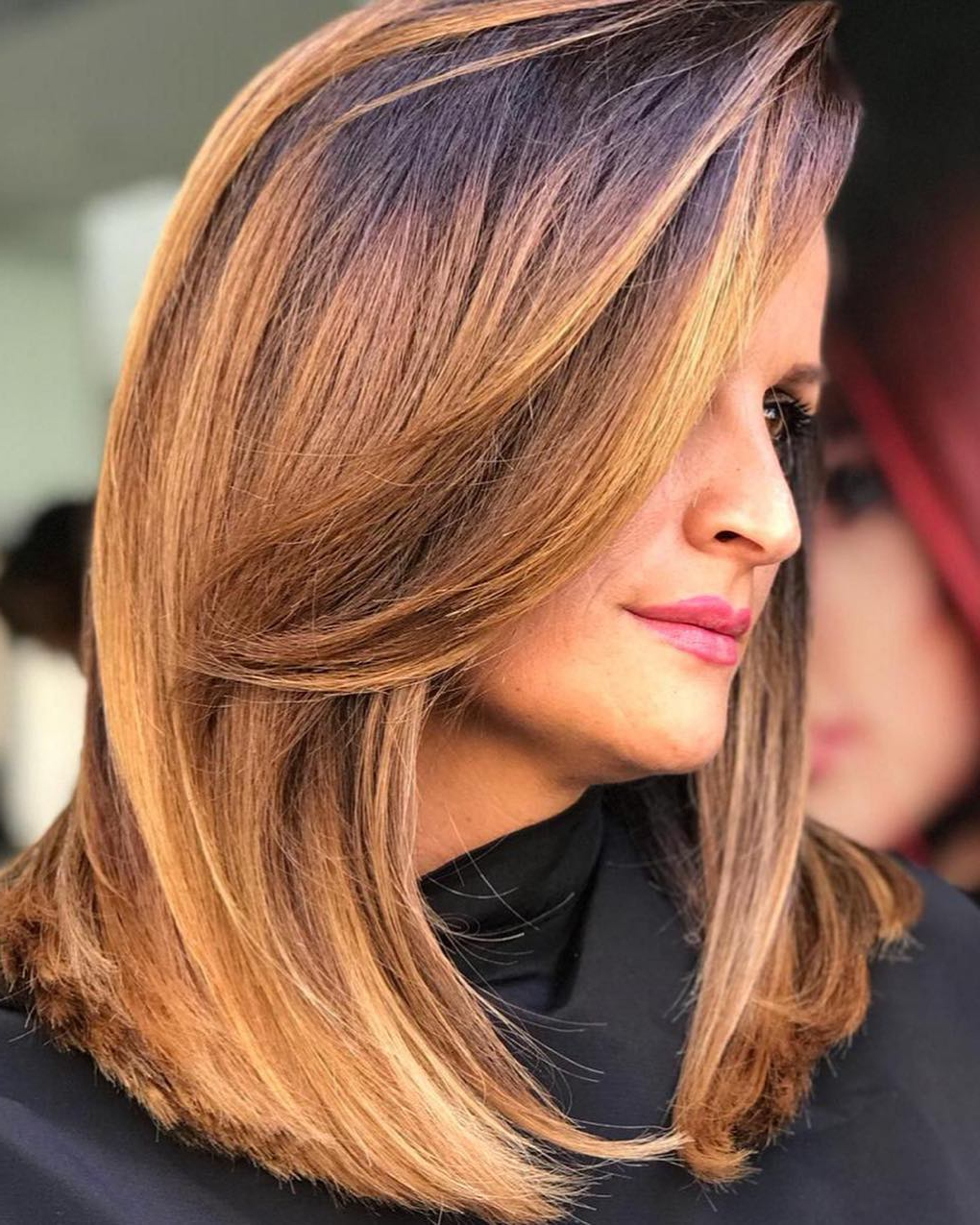 The Most Instagrammable Hairstyles With Bangs In 2019 Within Famous Medium Haircuts With Chunky Swoopy Layers (View 17 of 20)