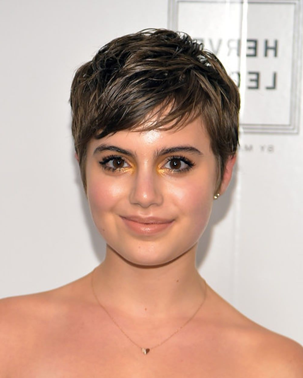 Featured Photo of Pixie Hairstyles For Round Faces