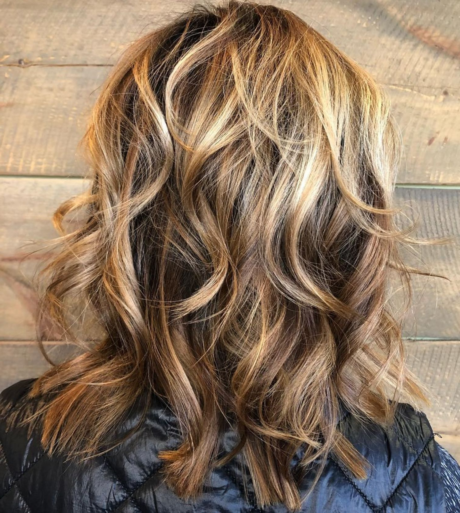 Featured Photo of Medium Wavy Bronde Shag Haircuts