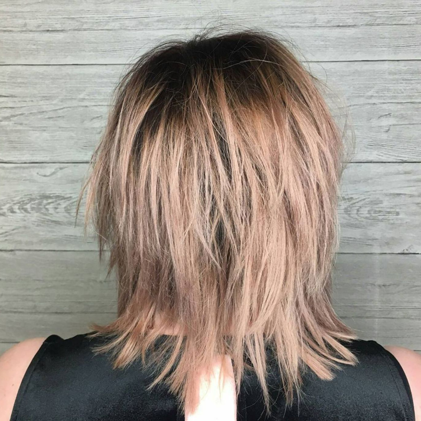Featured Photo of Mid Length Sliced Bronde Haircuts