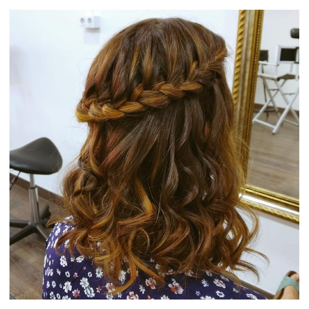 10+ Gorgeous Half Up Half Down Braids Hairstyles Intended For Well Known Half Braided Hairstyles (View 7 of 20)
