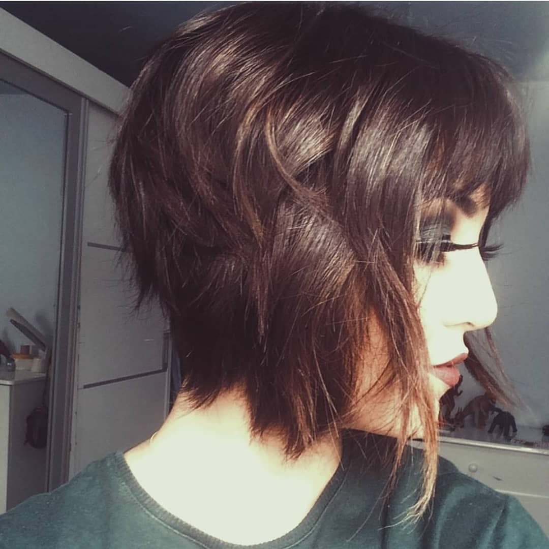10 Stylish Medium Bob Haircuts For Women – Easy Care Chic Regarding Recent Classic Disconnected Bob Haircuts (View 12 of 20)