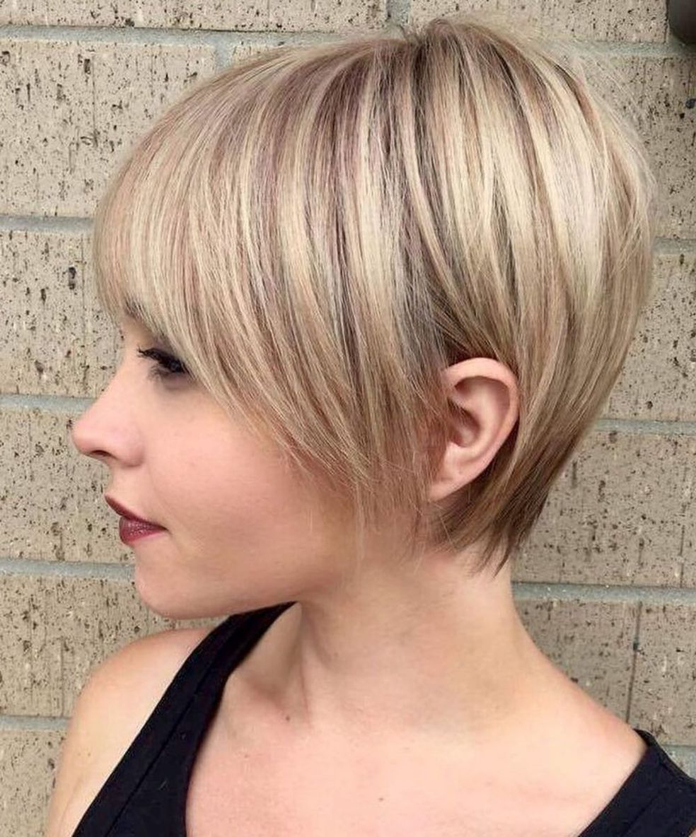 50 Super Cute Looks With Short Hairstyles For Round Faces In Recent Short Feathered Bob Crop Hairstyles (View 4 of 20)