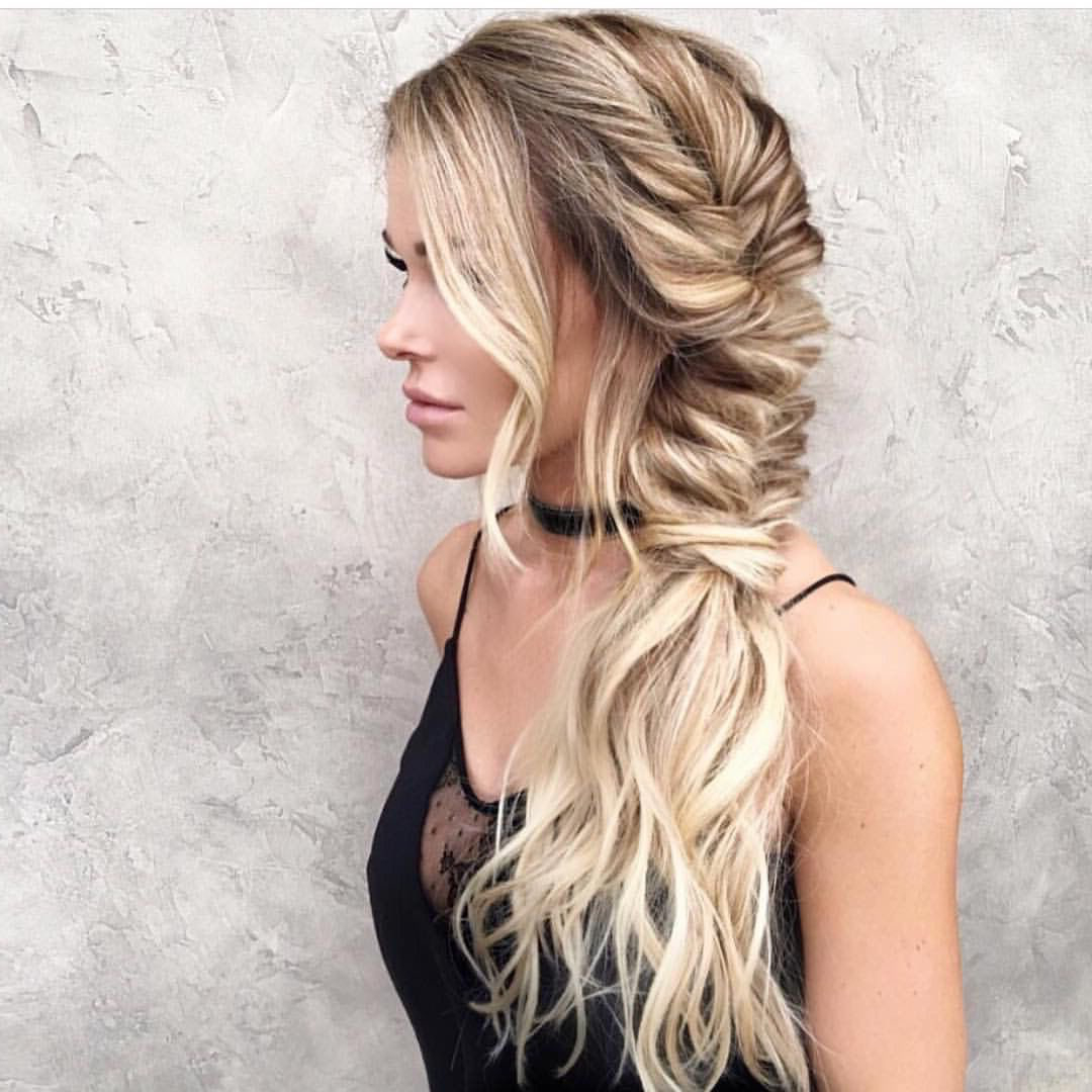 Featured Photo of Messy Side Fishtail Braid Hairstyles