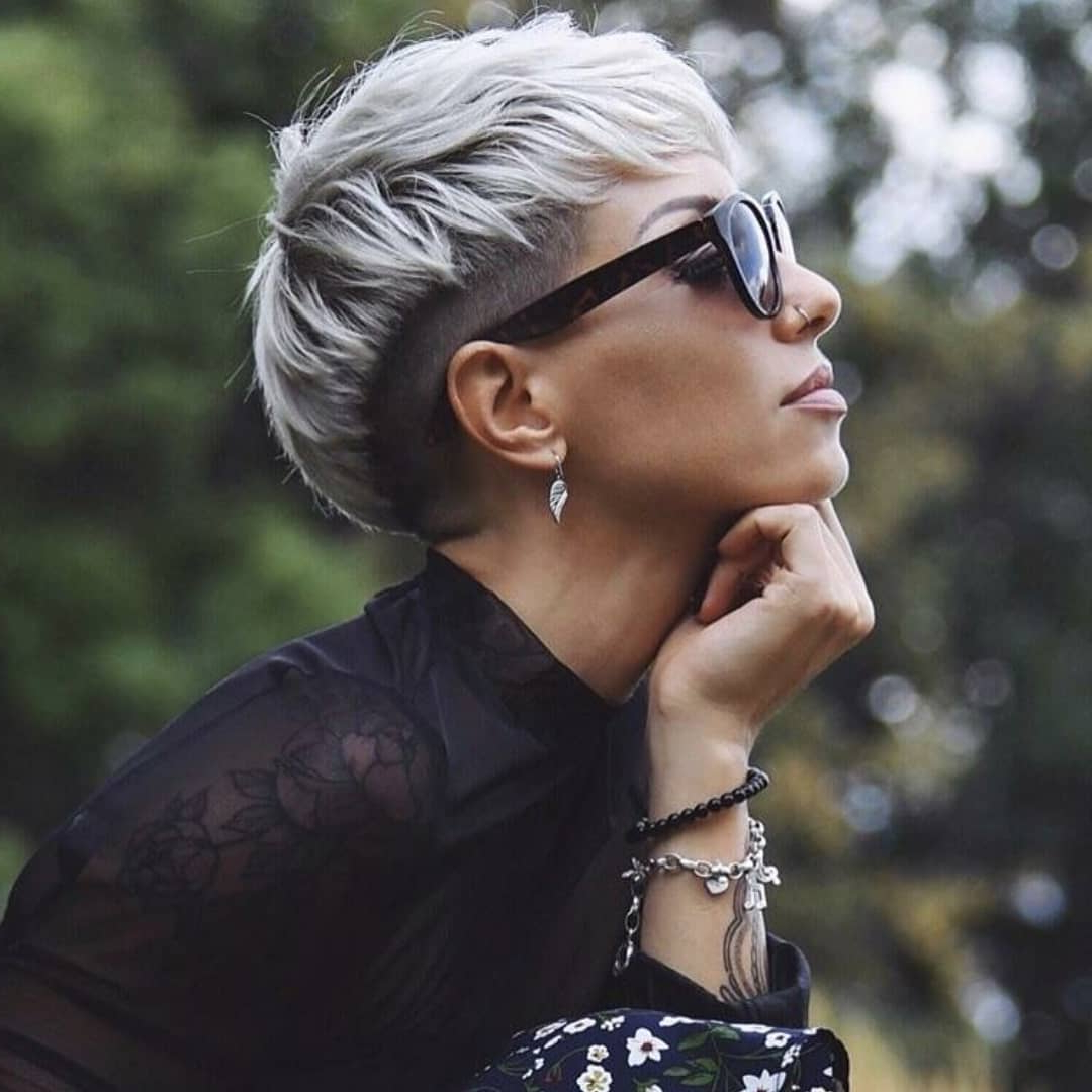 Famous Silver Pixie Haircuts With Side Swept Bangs Regarding 10 Feminine Pixie Haircuts Ideas For Women – Short Pixie (View 8 of 20)