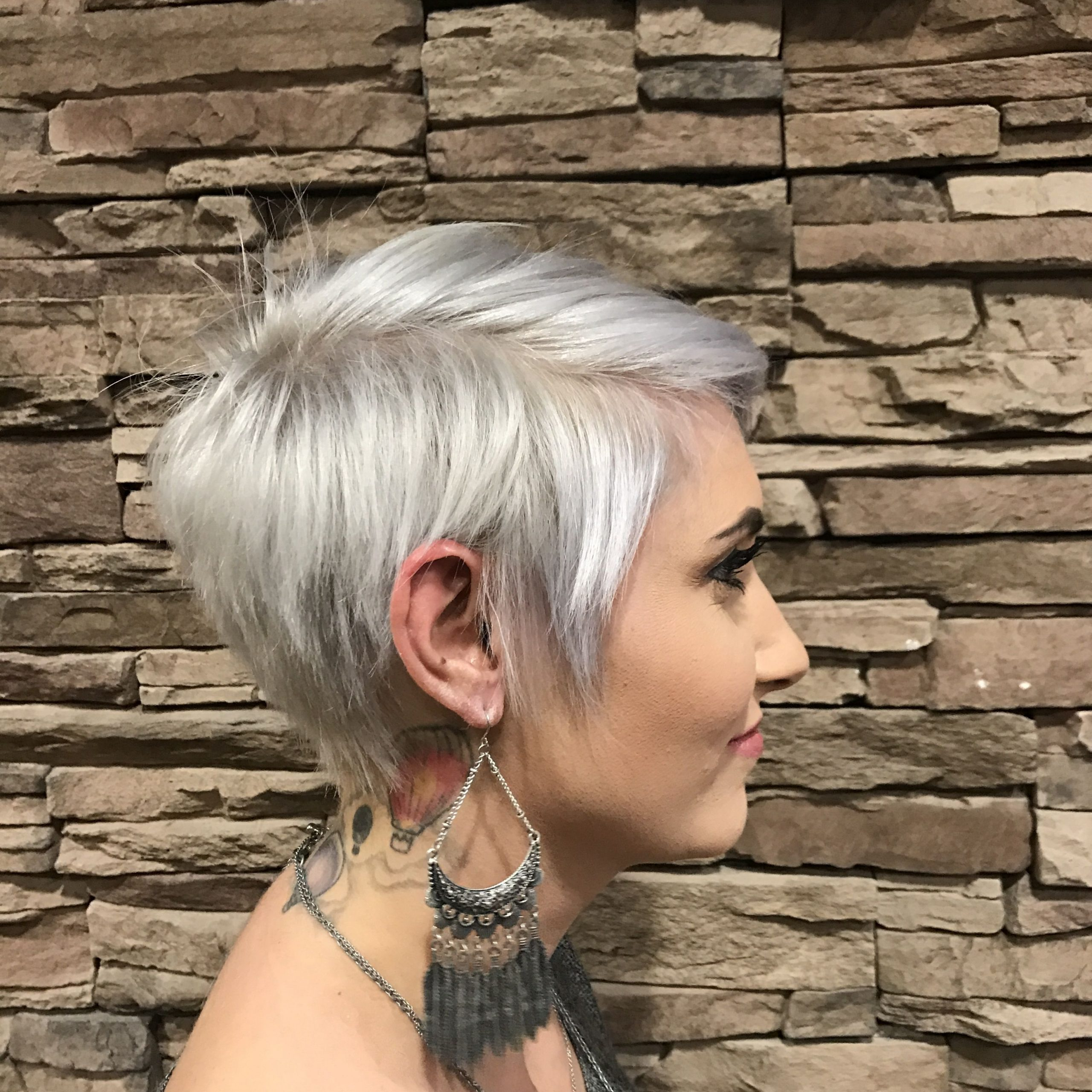 Latest Flipped Up Platinum Blonde Pixie Haircuts For Pin On Hair (View 6 of 20)