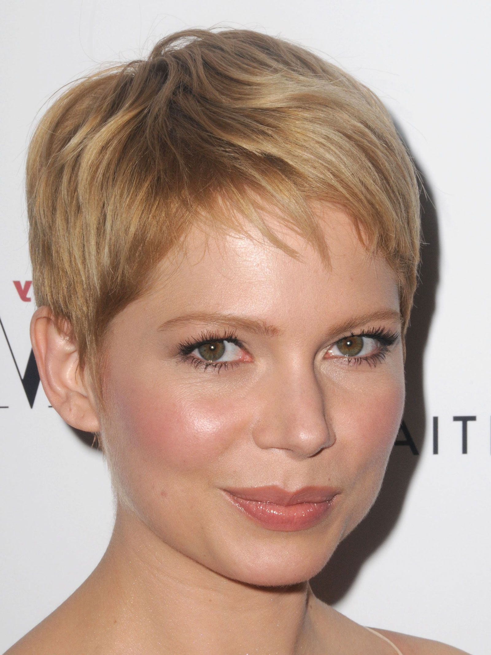 Michelle Williams Pixie Haircut (View 2 of 20)