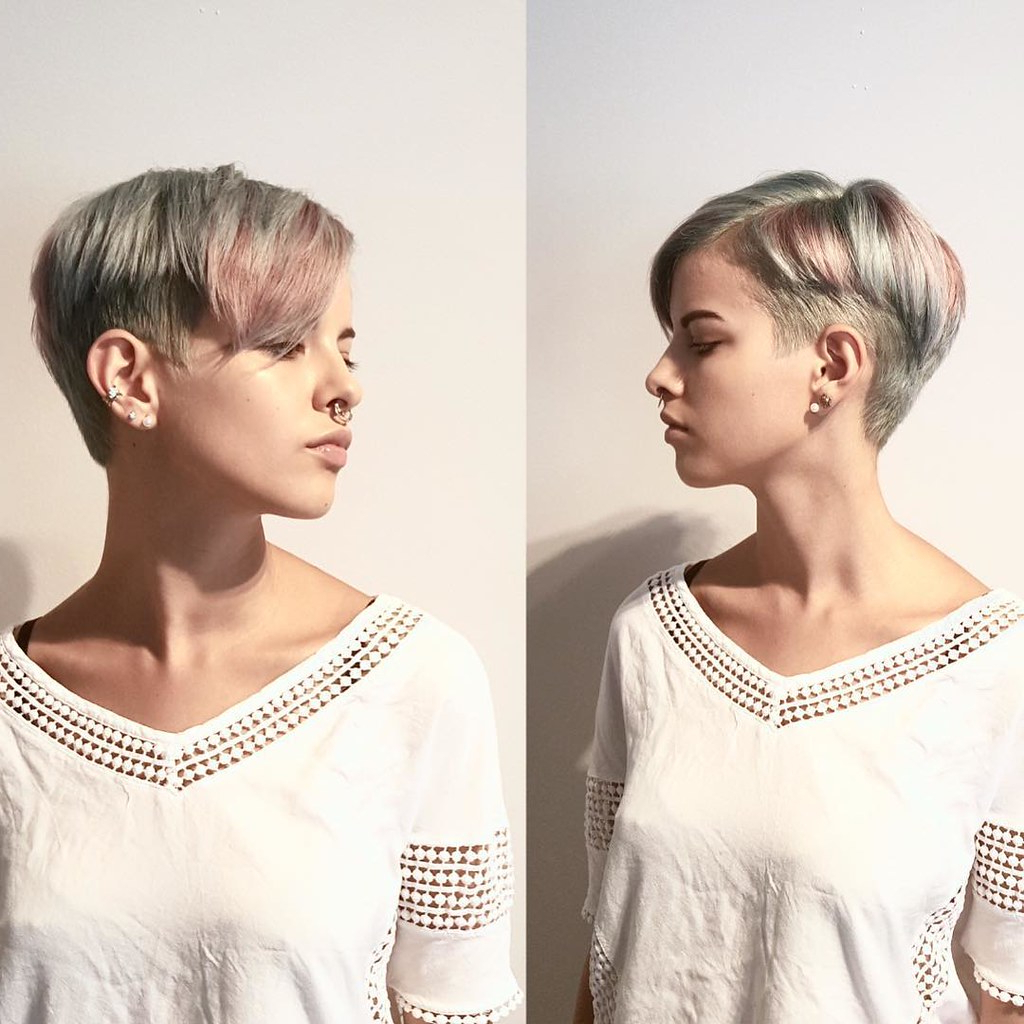Modern Silver Tapered Pixie With Side Swept Bangs And Pink Inside Current Silver Pixie Haircuts With Side Swept Bangs (View 12 of 20)