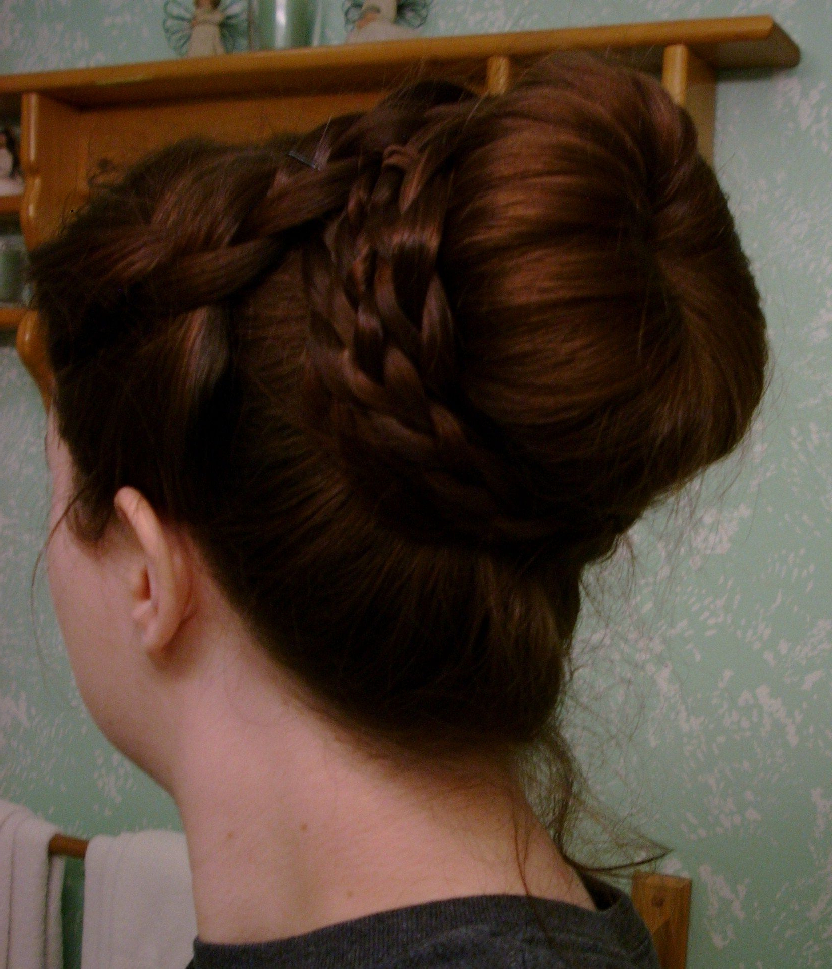 Most Recent Grecian Inspired Ponytail Braid Hairstyles Inside Grecian Inspired Braided Bun (View 10 of 20)