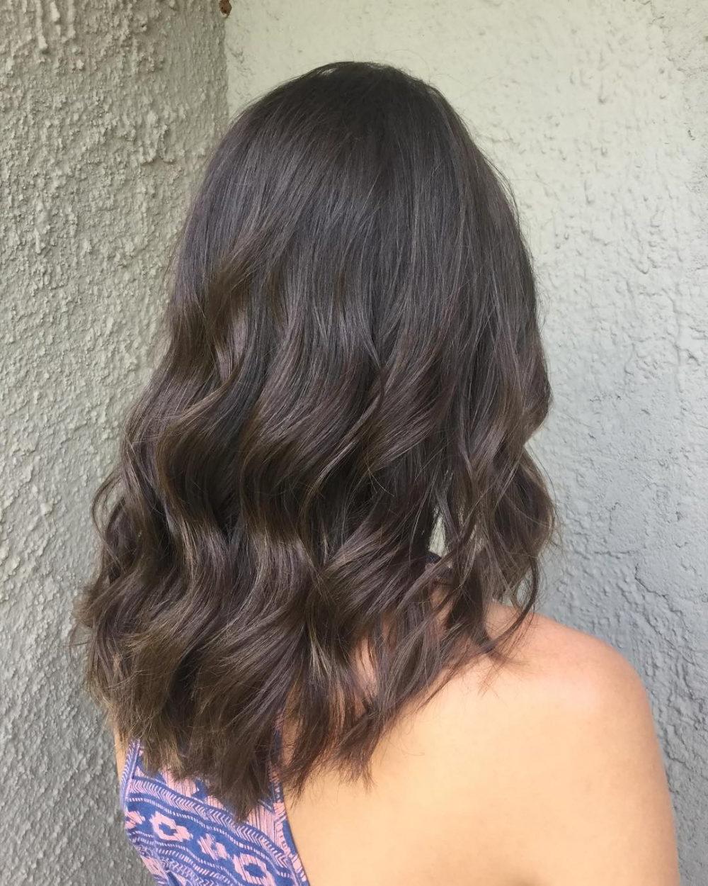 2020 Latest Mid-Length Beach Waves Hairstyles