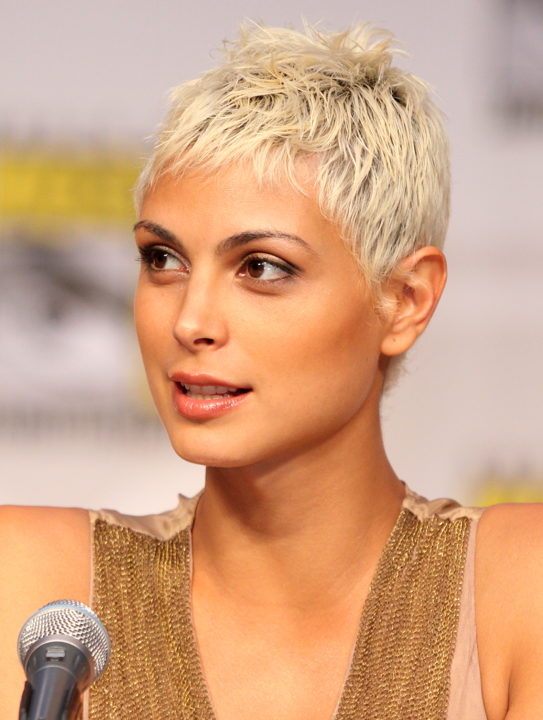 Most Up To Date Flipped Up Platinum Blonde Pixie Haircuts Pertaining To Pixie Cut – Wikipedia (View 11 of 20)