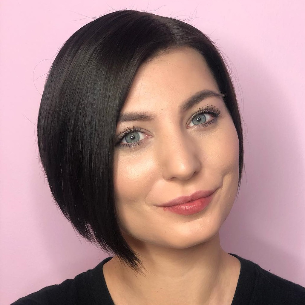 Most Up To Date Jet Black Chin Length Sleek Bob Hairstyles Within 30 Short Hairstyles For Round Faces To Create Wow Effect In (View 13 of 20)