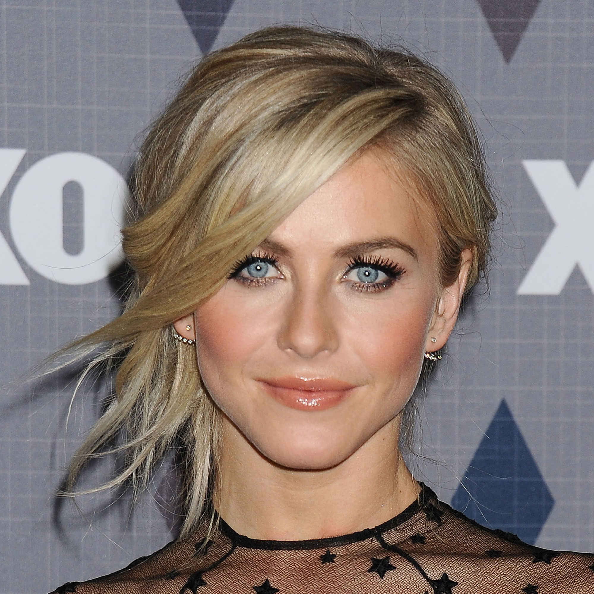 Most Up To Date Slicked Bob Hairstyles Regarding Julianne Hough's 37 Best Hairstyles Of All Time, In Photos (View 17 of 20)