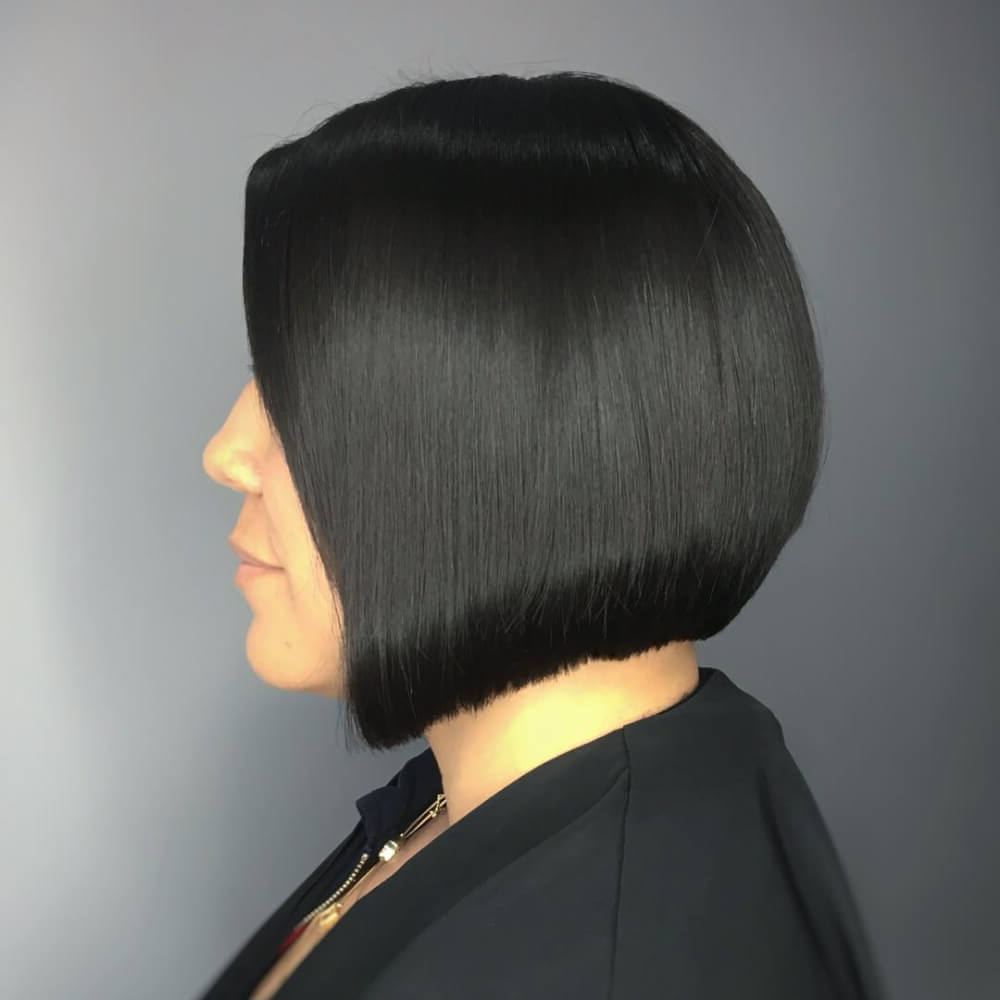 Recent Jet Black Chin Length Sleek Bob Hairstyles In 50 Chic Short Bob Haircuts & Hairstyles For Women In (View 18 of 20)