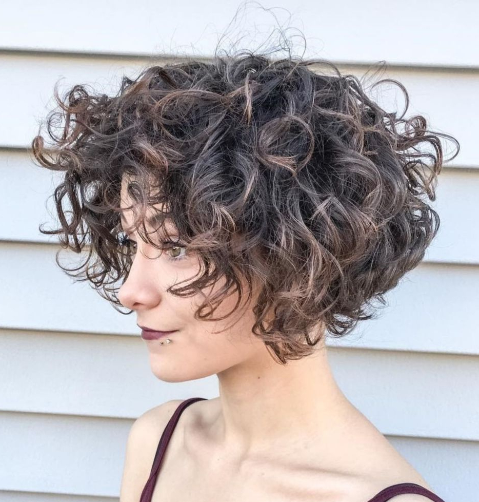 Short Wavy Hair (View 7 of 20)