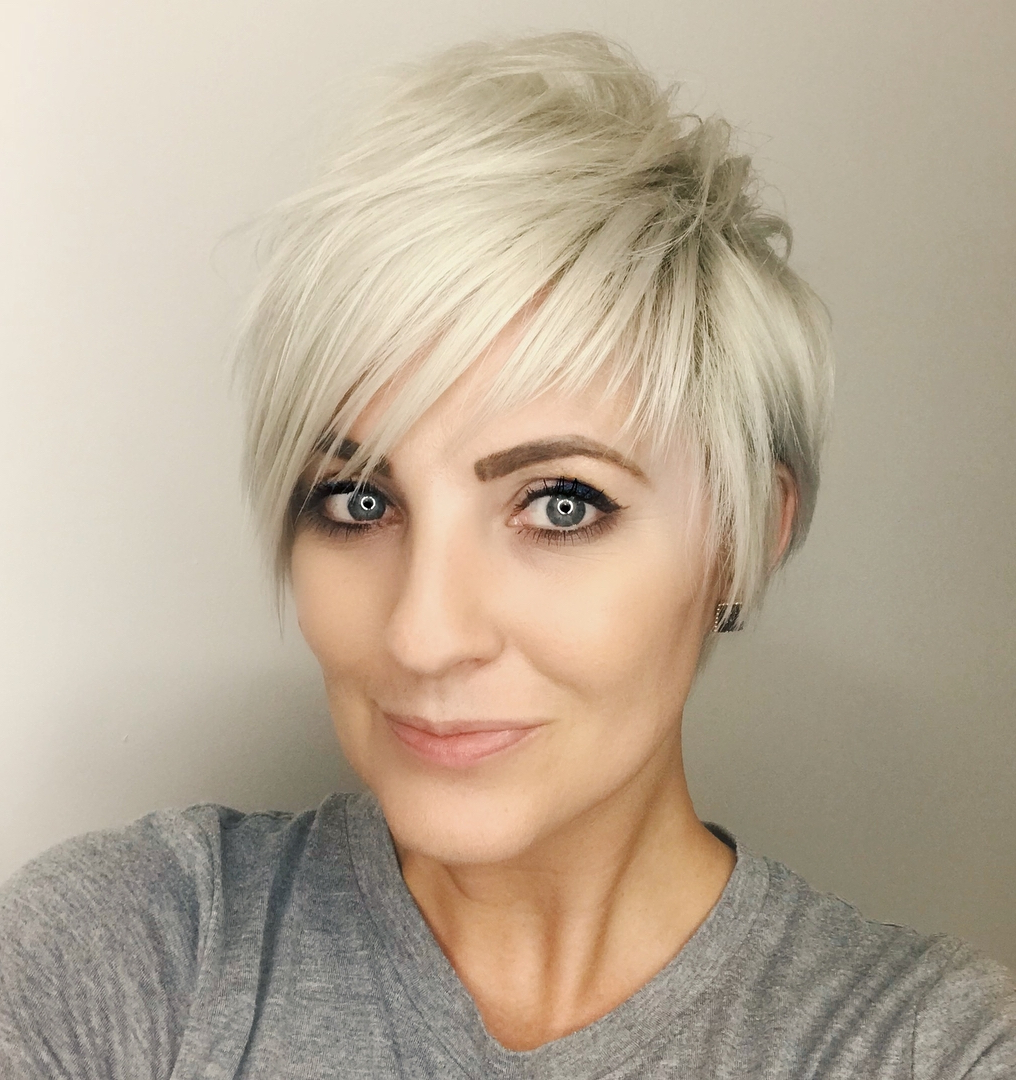 The Most Instagrammable Hairstyles With Bangs In 2020 Pertaining To Popular Flipped Up Platinum Blonde Pixie Haircuts (View 20 of 20)