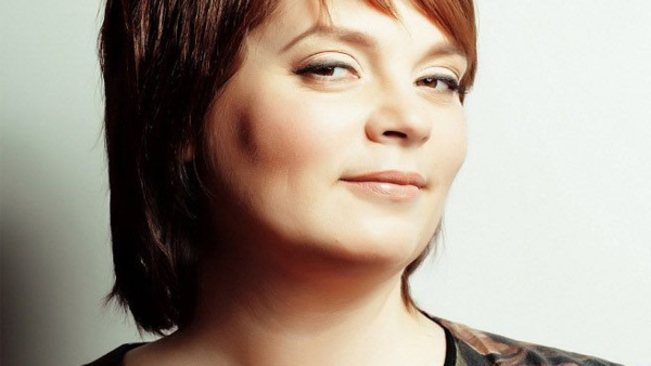 Top 25 Hairstyles For Fat Faces Of Women To Look Slim In Latest Gorgeous Bob Hairstyles For Thick Hair (View 17 of 20)